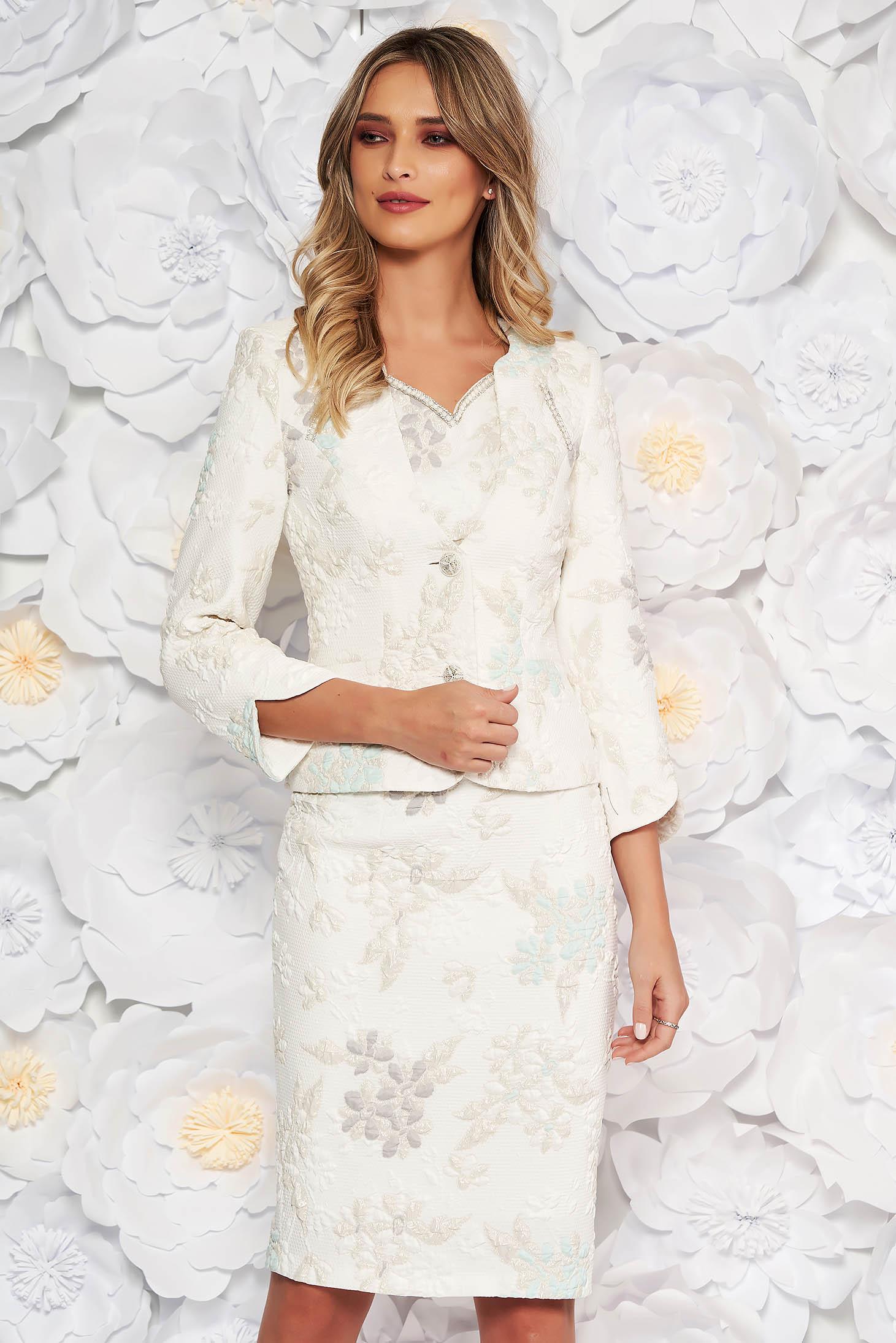Fehér két részes elegáns női kosztüm jaqcuard lamé szállal