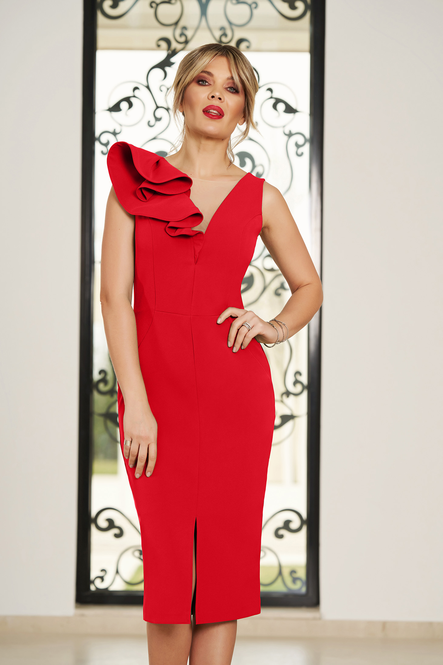 Rochie StarShinerS rosie midi de ocazie tip creion din stofa usor elastica cu volanase cu rijelina