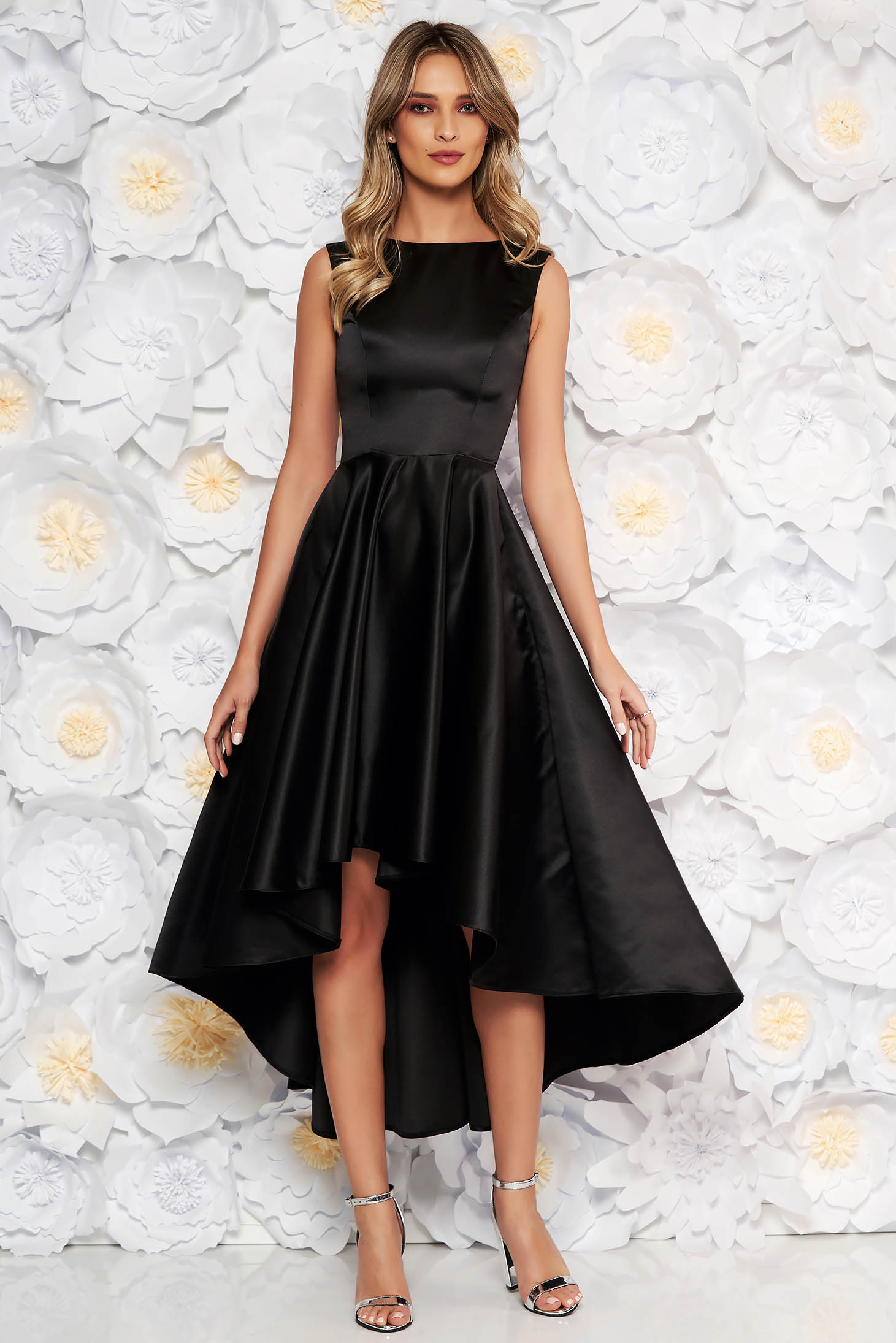 Rochie neagra eleganta asimetrica de ocazie in clos din material satinat fara maneci