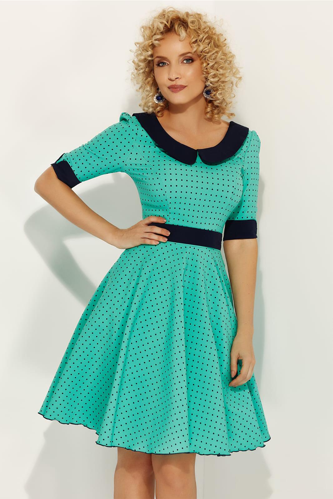 Rochie Fofy verde eleganta de zi croi in clos cu guler rotunjit accesorizata cu cordon