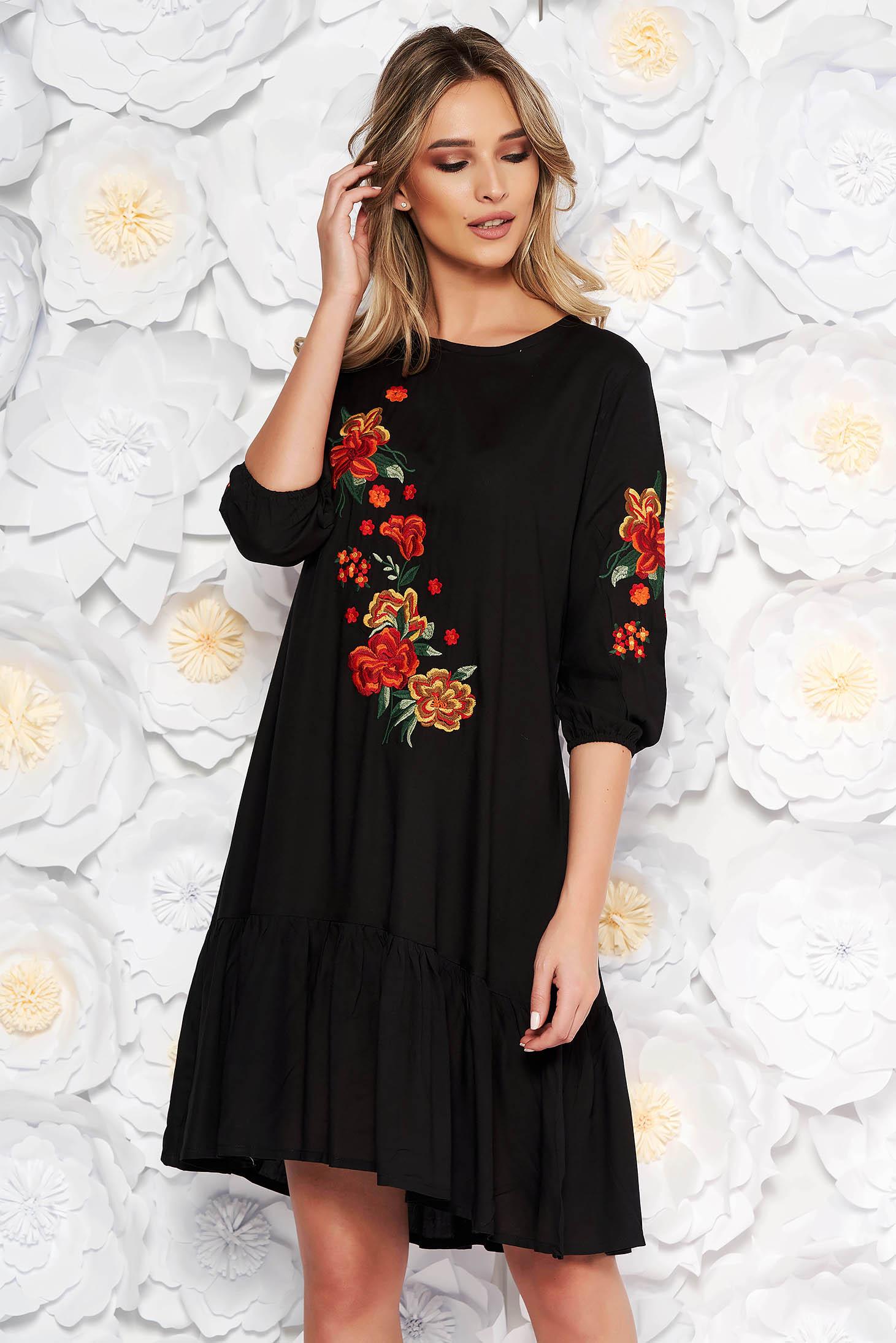 Fekete hétköznapi bő szabású ruha nem elasztikus pamut elől hímzett