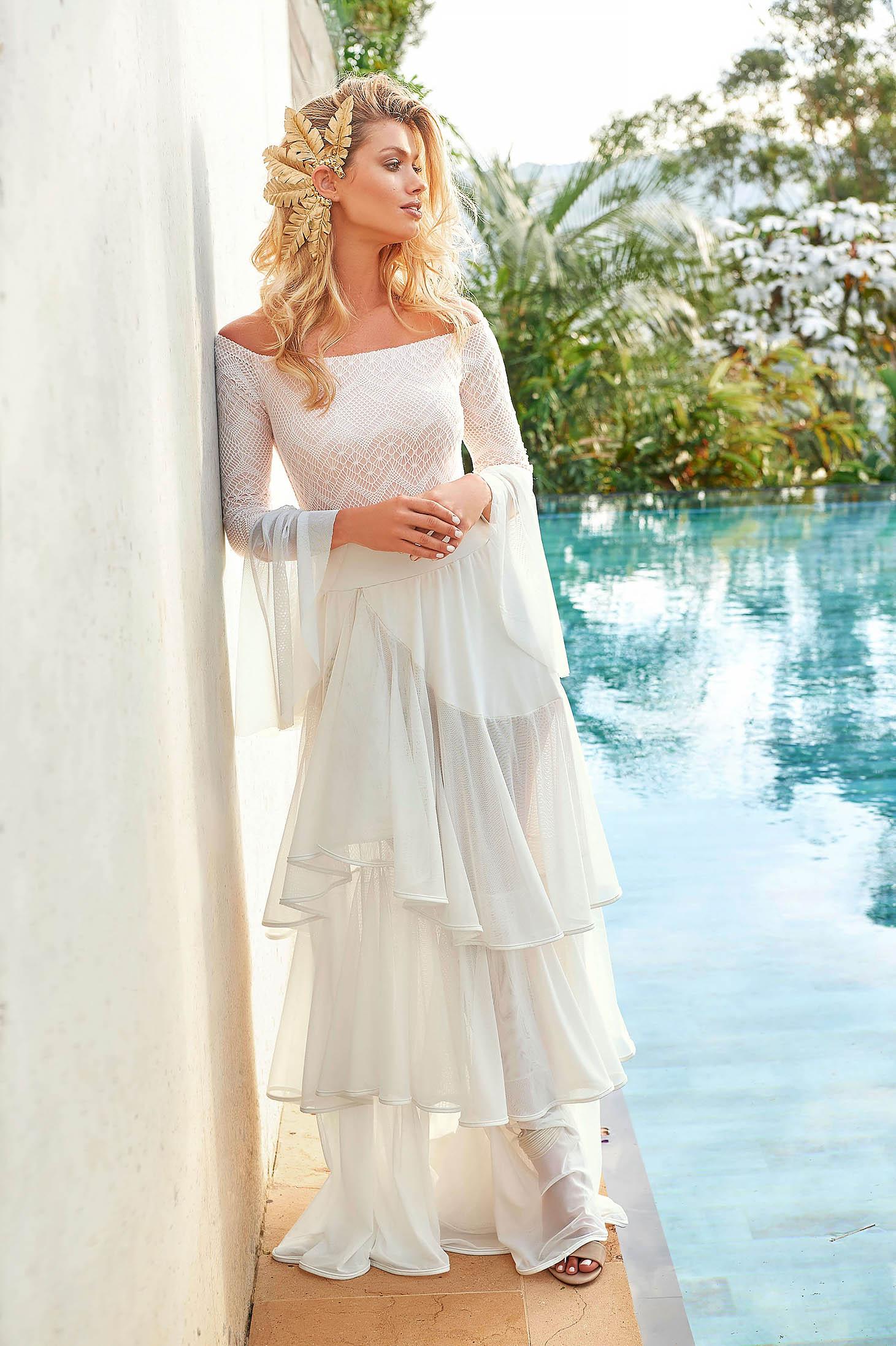 White skirt luxurious beach wear
