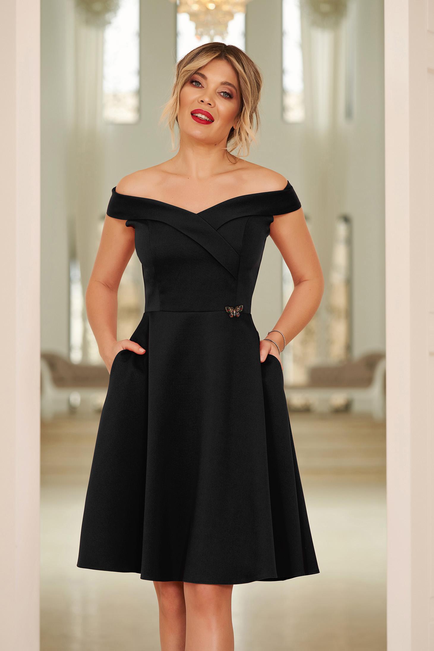 Fekete StarShinerS alkalmi elegáns harang dekoltált váll nélküli ruha vékony, rugalmas szövetből