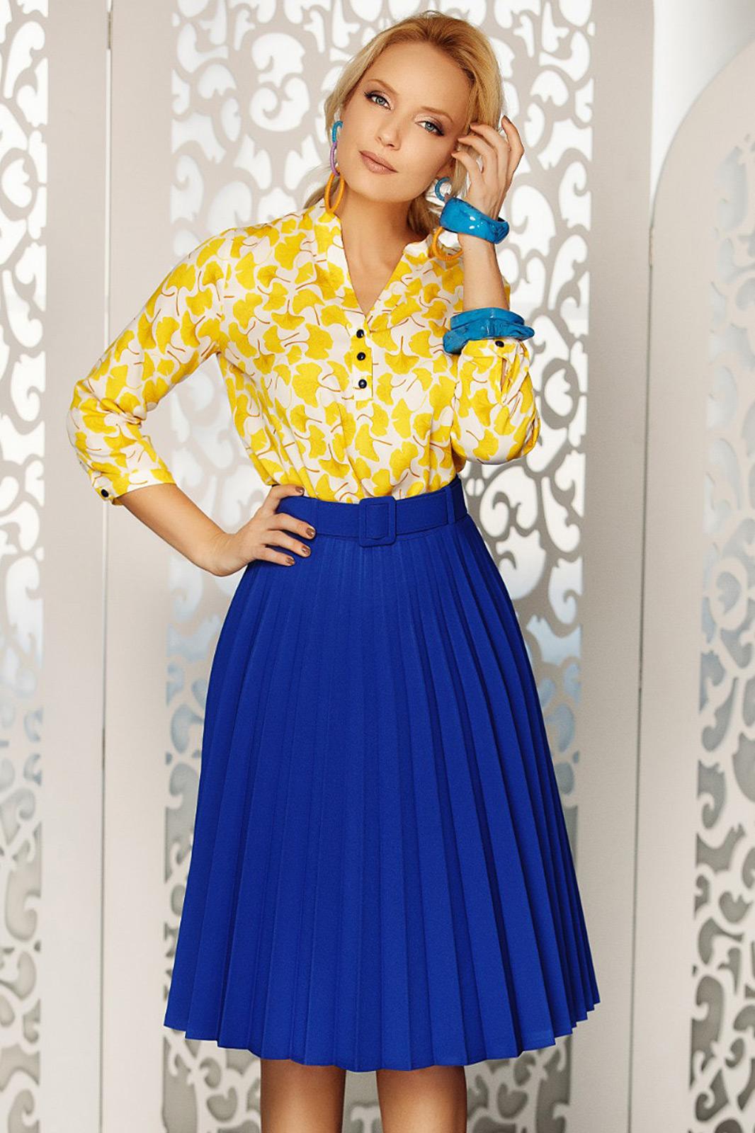 Fofy blue elegant folded up cloche skirt high waisted accessorized with belt slightly elastic fabric