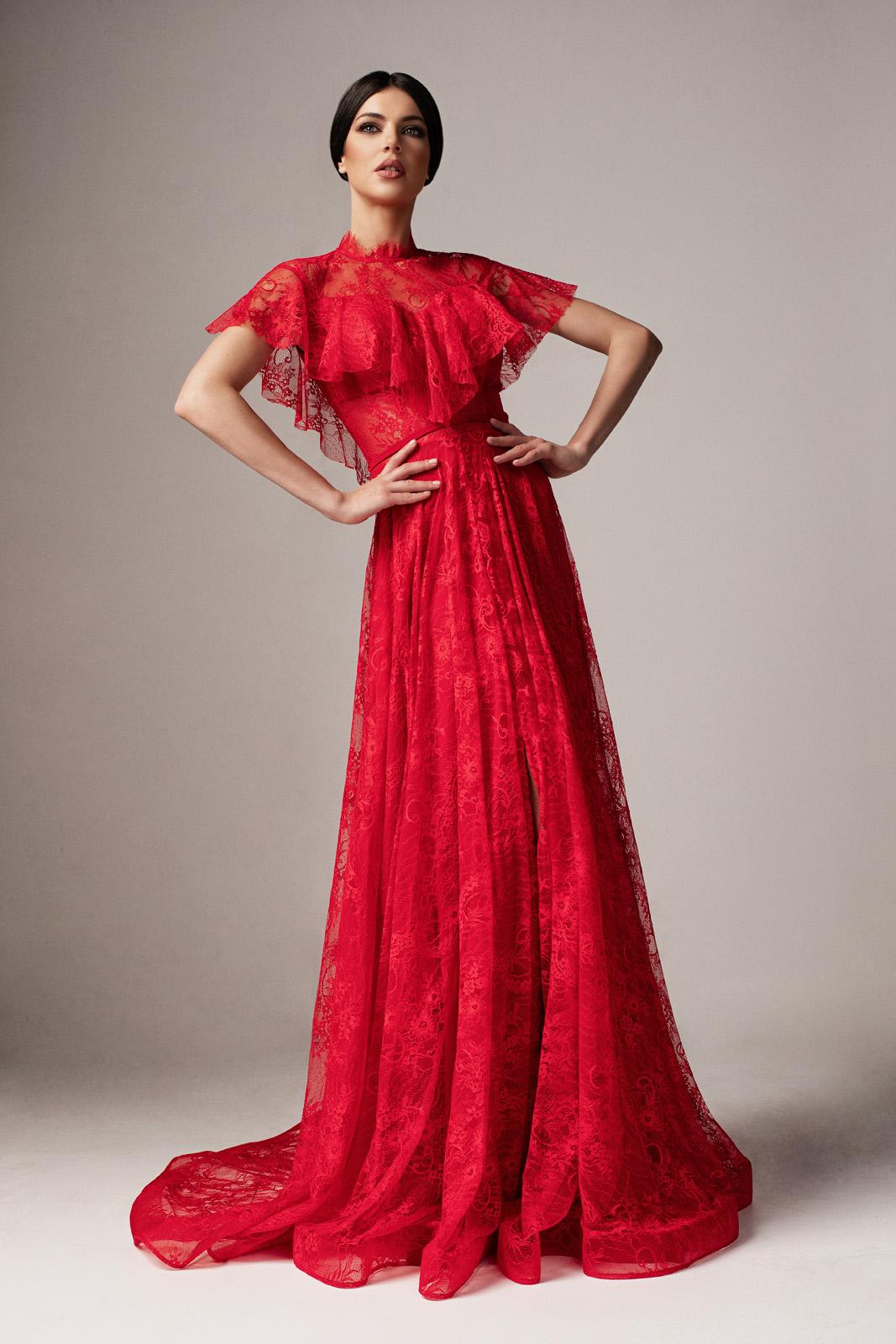 b67a869f1d Piros Ana Radu alkalmi harang ruha csipkés anyagból fodros szivacsos  mellrész