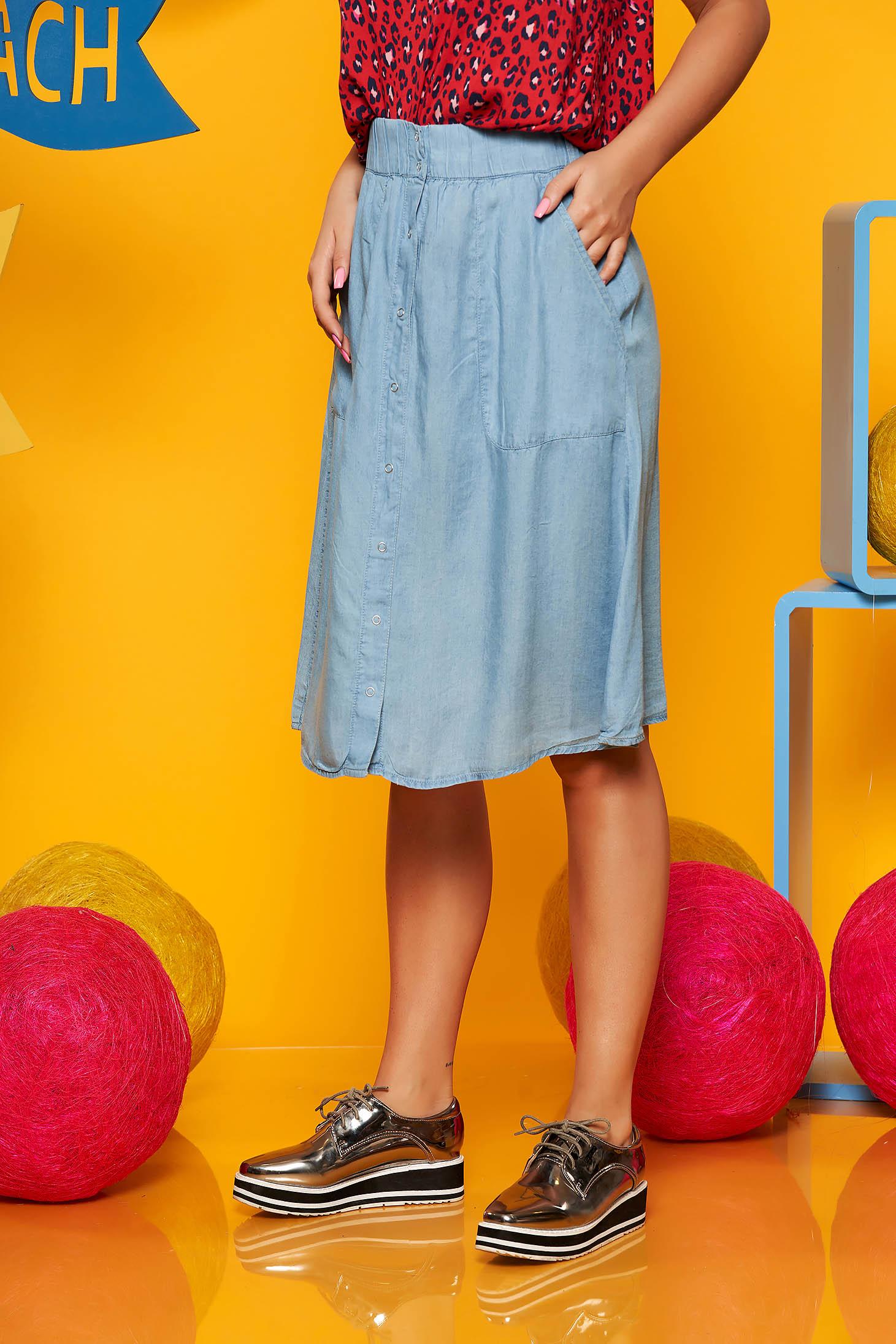 Fusta albastra-deschis Top Secret casual in clos cu talie inalta din denim cu elastic in talie