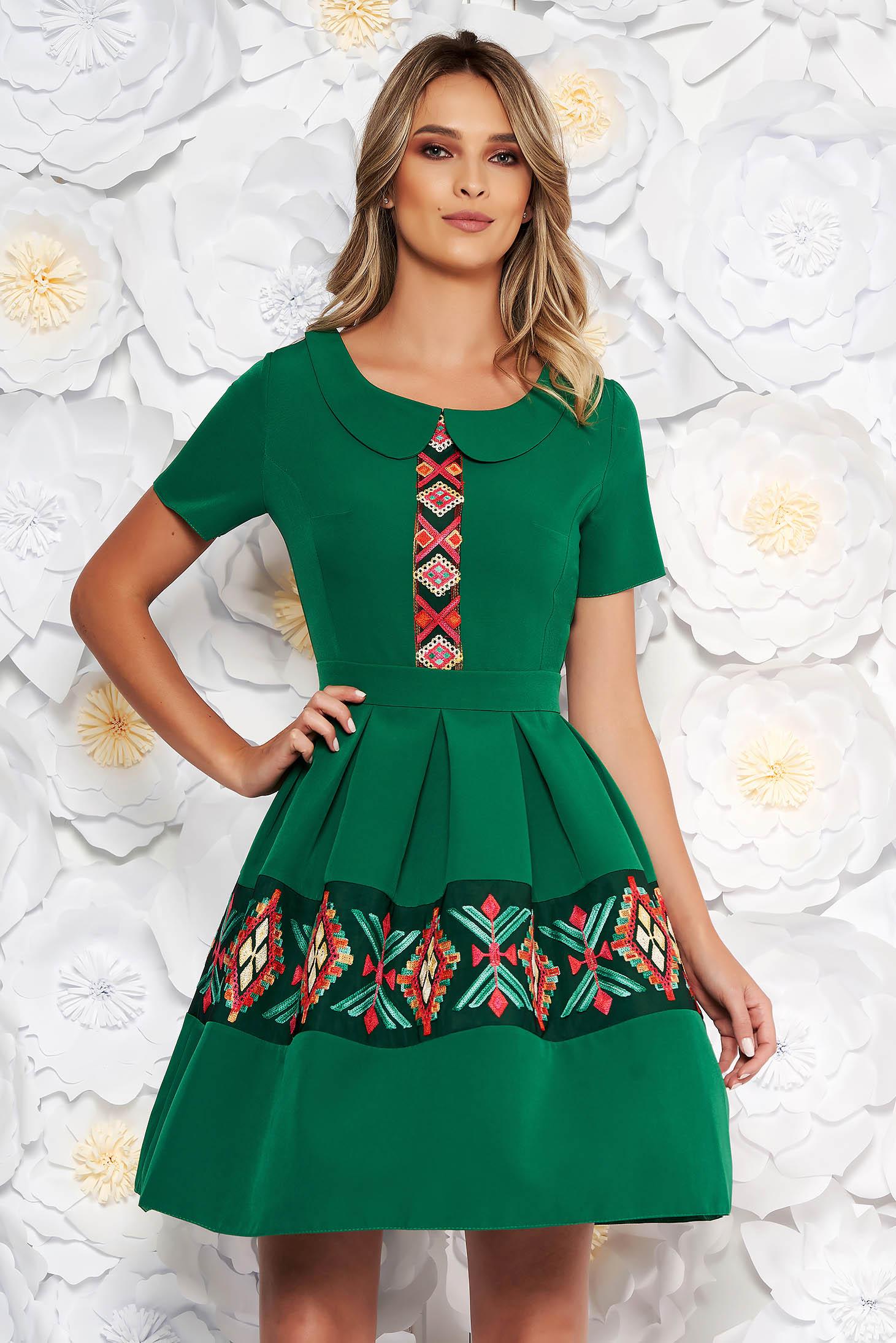 Rochie Verde Eleganta De Zi In Clos Cu Maneca Scurta Cu Guler