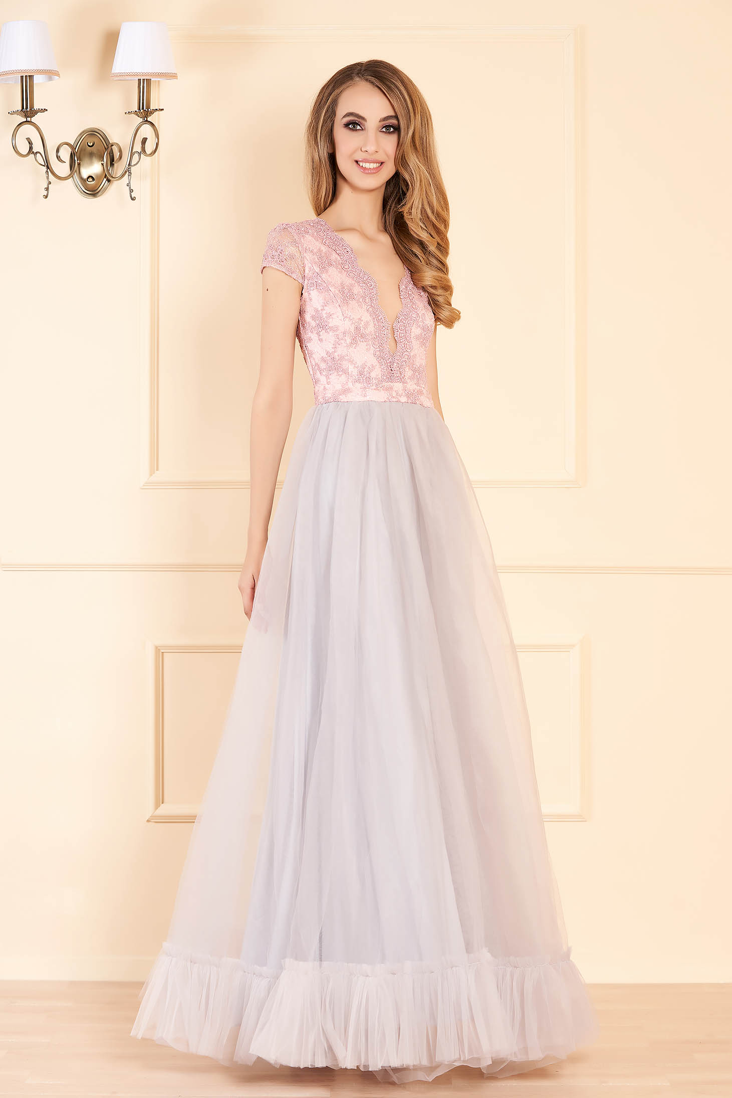 Fofy grey occasional cloche dress lace and tulle fabric with deep cleavage short sleeves