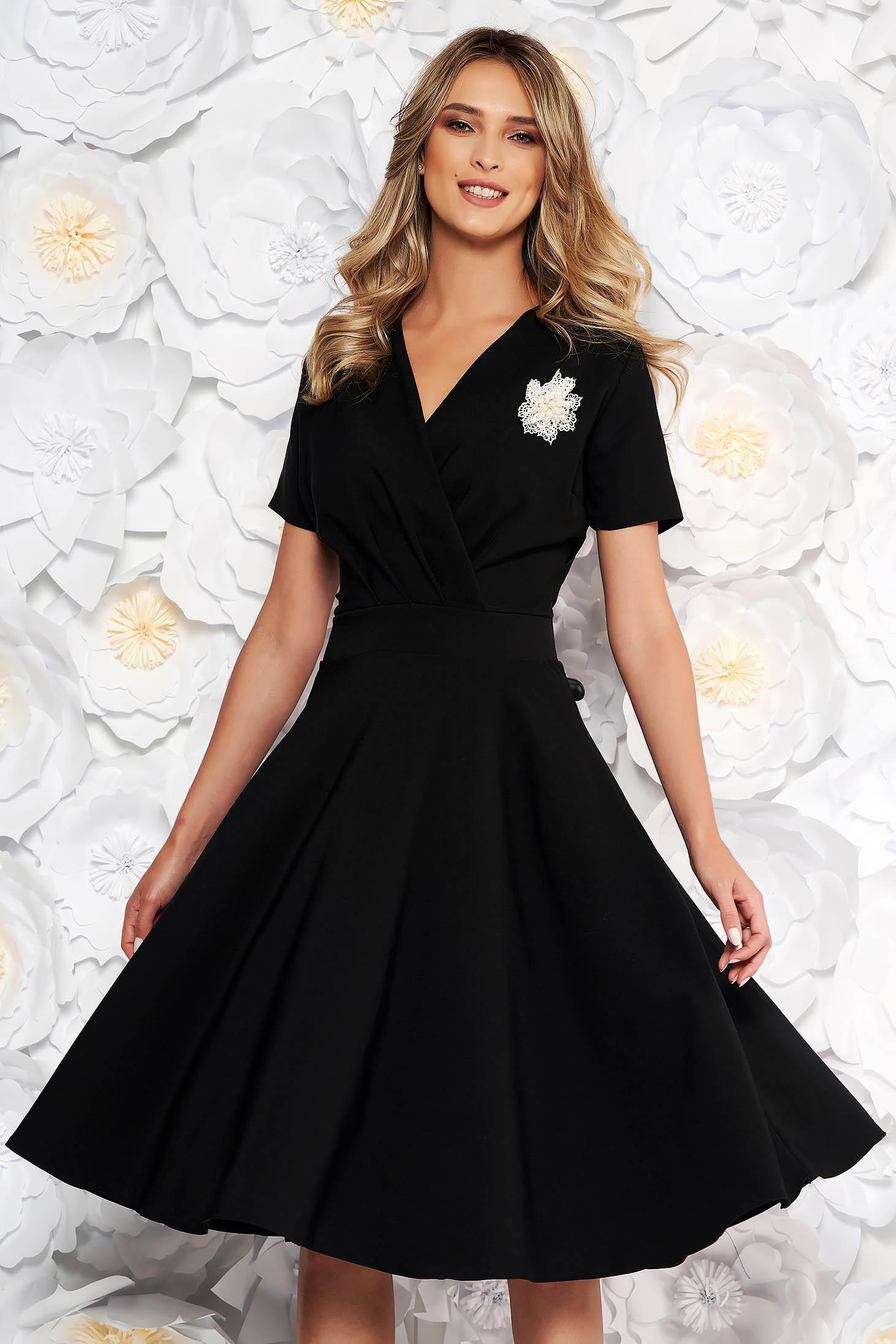 Black elegant cloche dress flexible thin fabric/cloth accessorized with breastpin