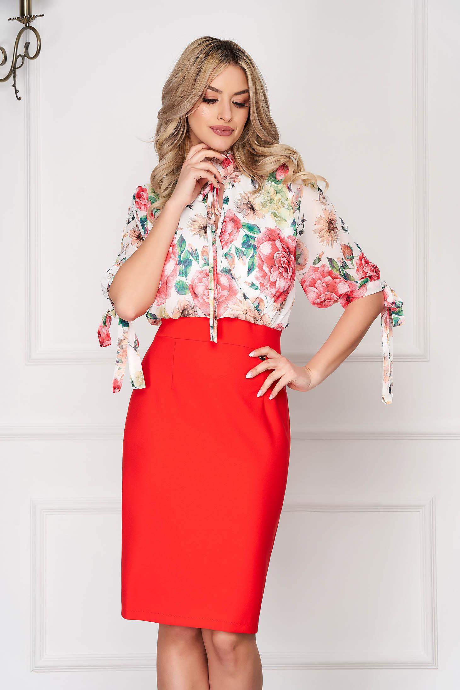 Rochie corai eleganta de zi tip creion cu maneci trei-sferturi si imprimeuri florale