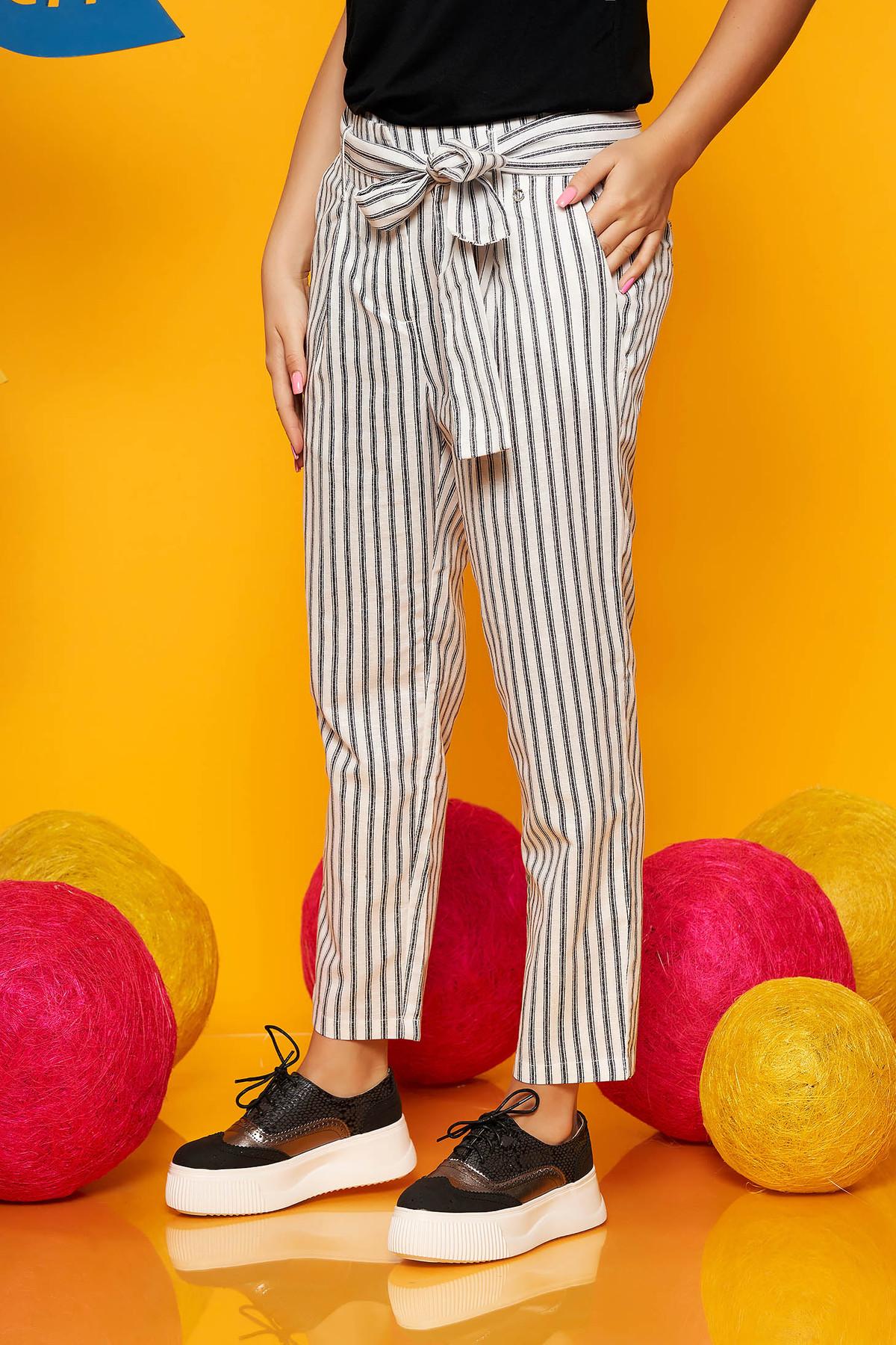 Pantaloni Top Secret albe casual din bumbac cu talie inalta cu un croi drept accesorizati cu cordon