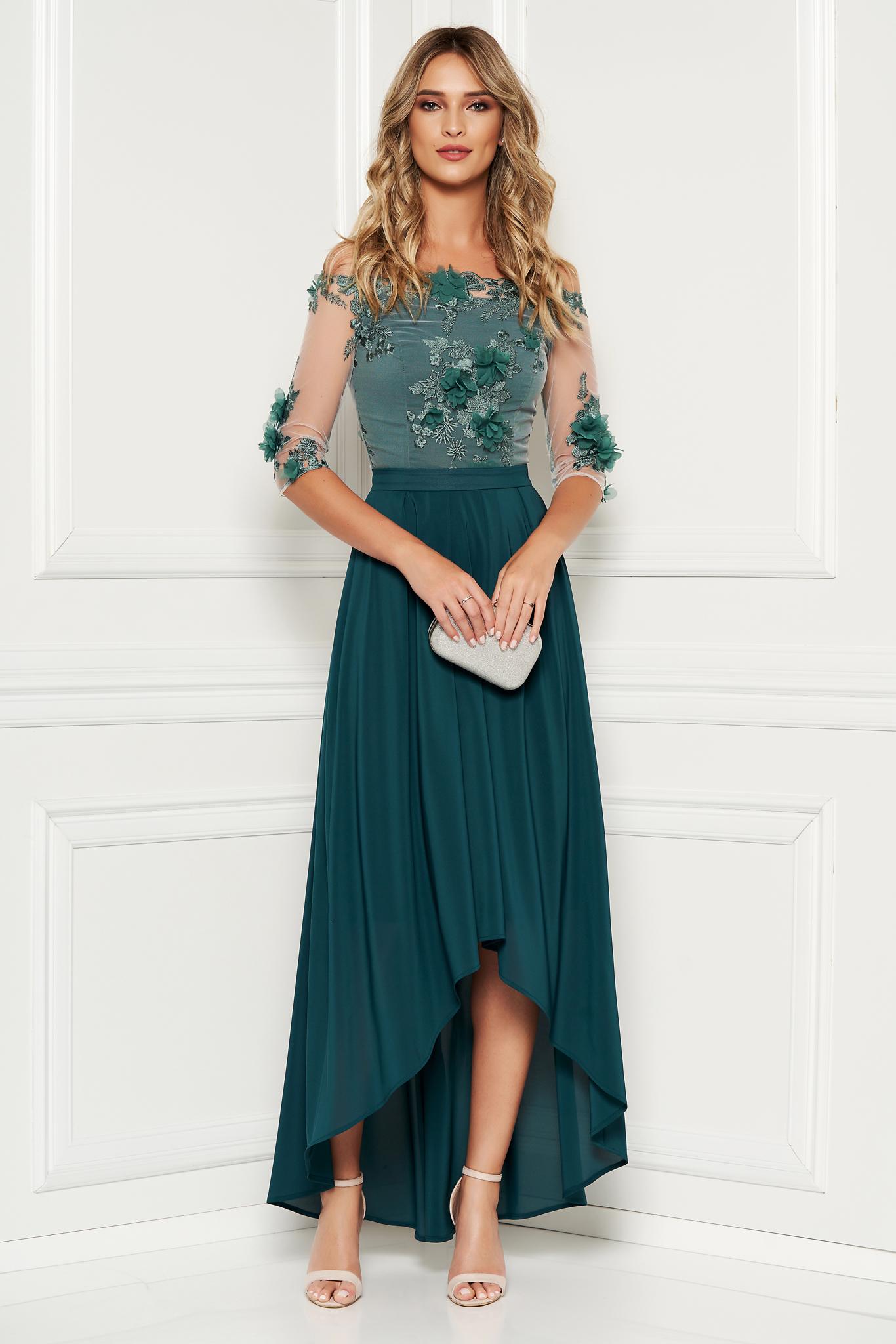 Rochie StarShinerS verde de ocazie asimetrica din muszlin si dantela in clos accesorizata cu cordon