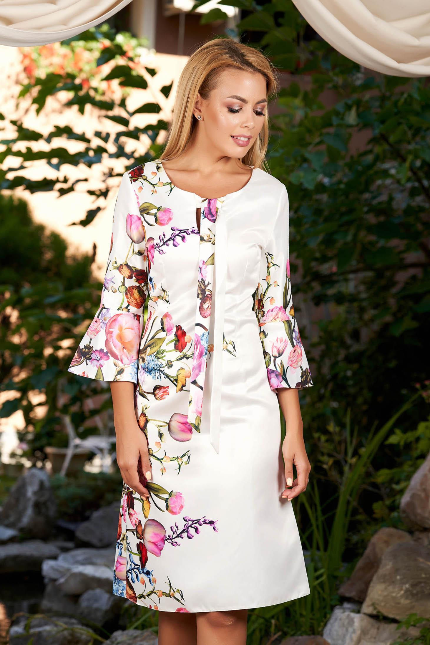 Rochie alba midi de zi din bumbac neelastic cu croi in a cu maneca trei sferturi si imprimeuri florale