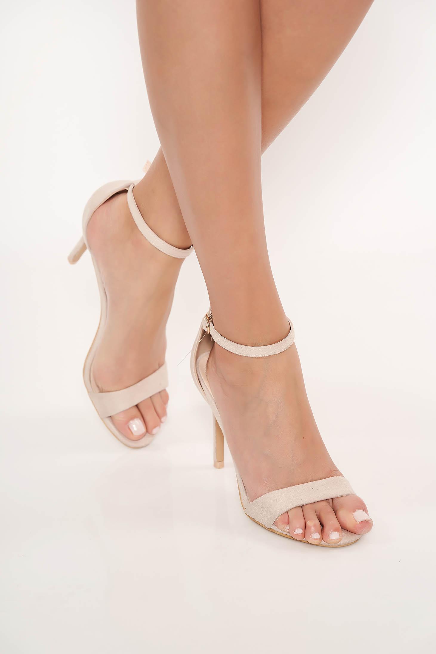 Sandale nude de ocazie din piele ecologica cu barete subtiri si toc inalt