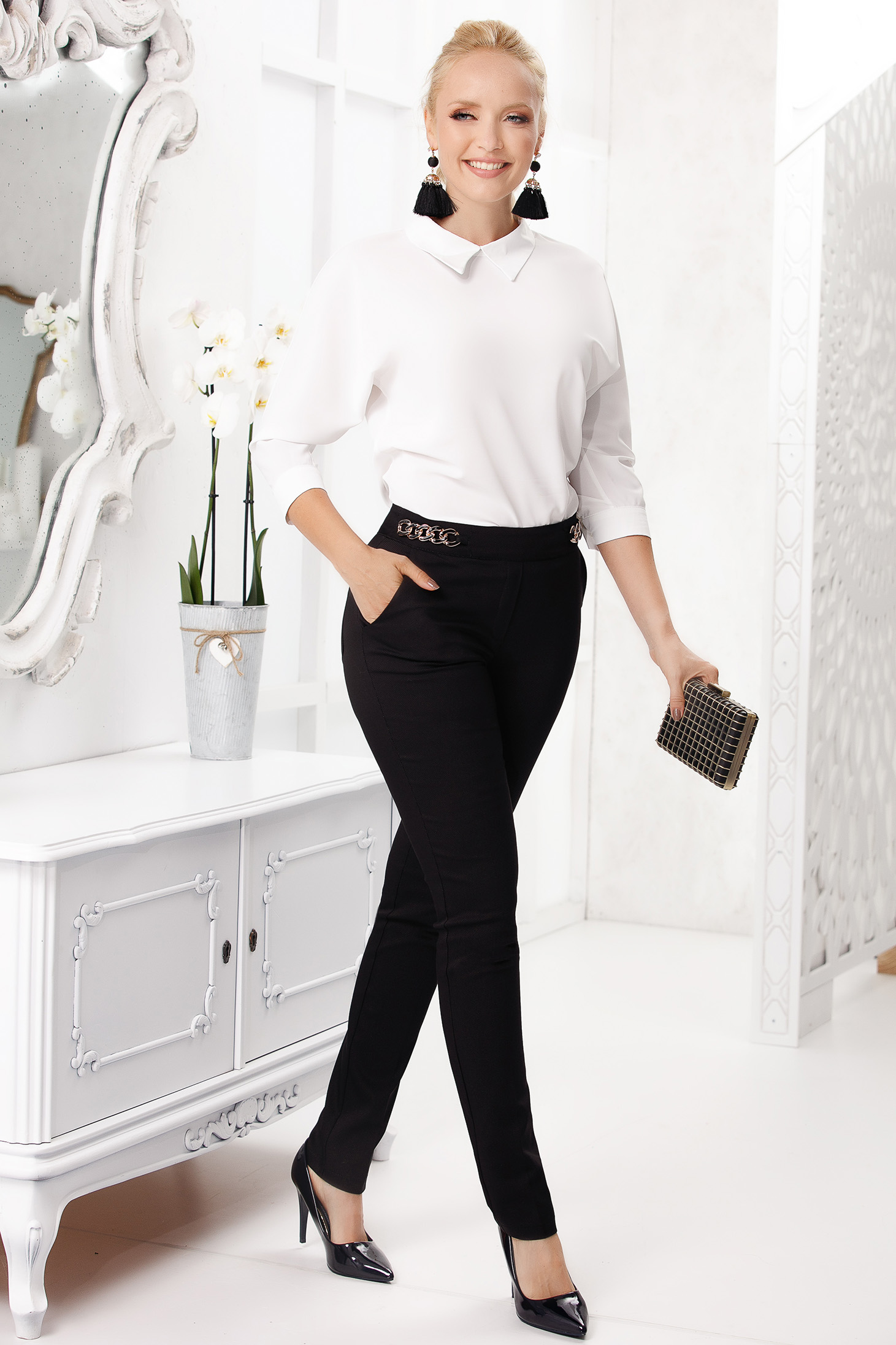 Black trousers office conical slightly elastic cotton with medium waist with metalic accessory