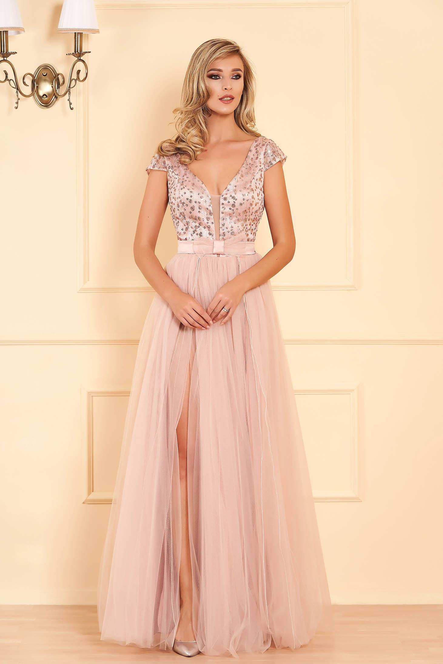 Lightpink occasional long cloche dress bareback with push-up cups
