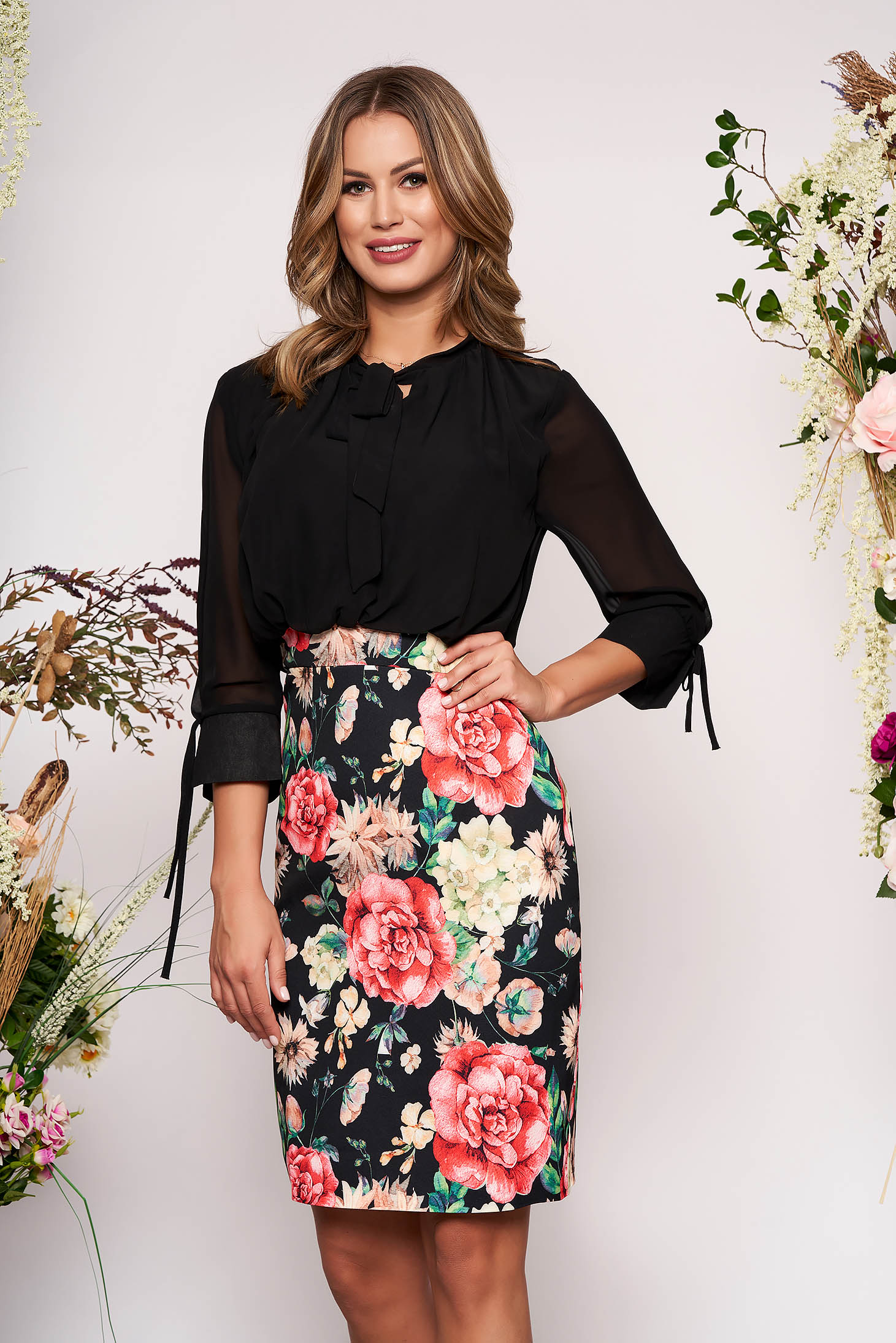 Black elegant daily midi pencil dress with 3/4 sleeves with floral prints