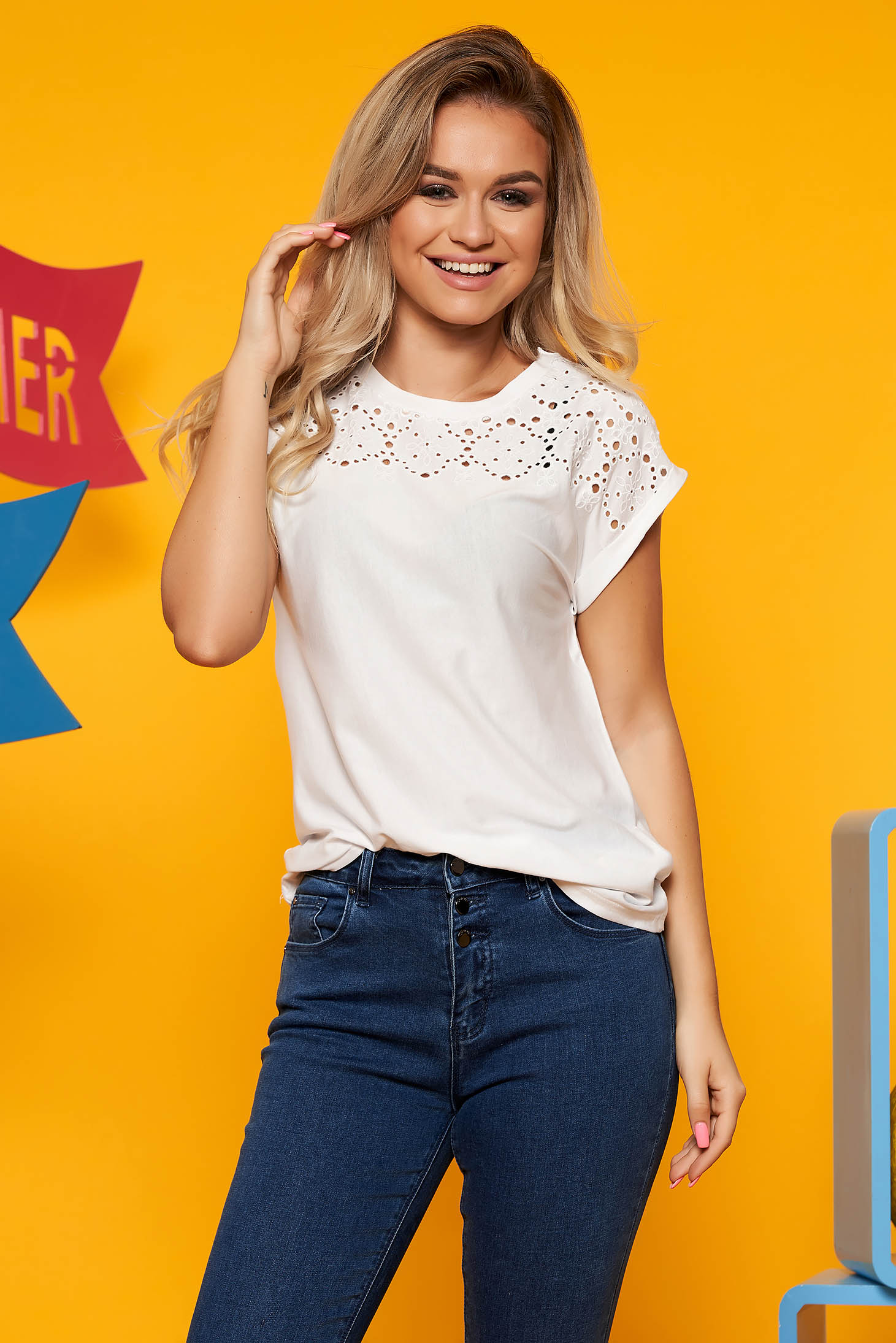 White casual cotton flared t-shirt short sleeve