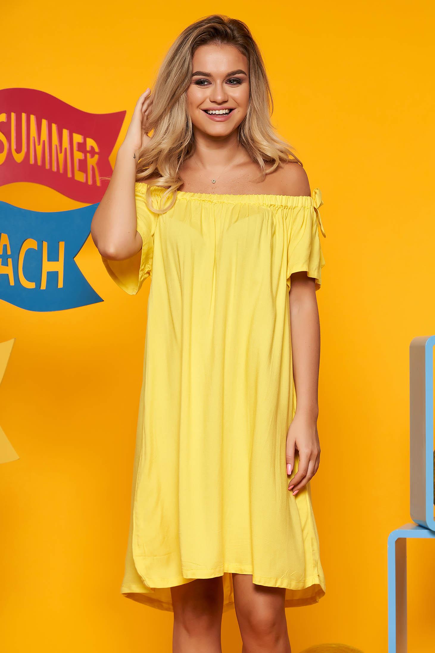 Sárga Top Secret hétköznapi bő szabású váll nélküli ruha rövid ujjakkal lenge anyagból