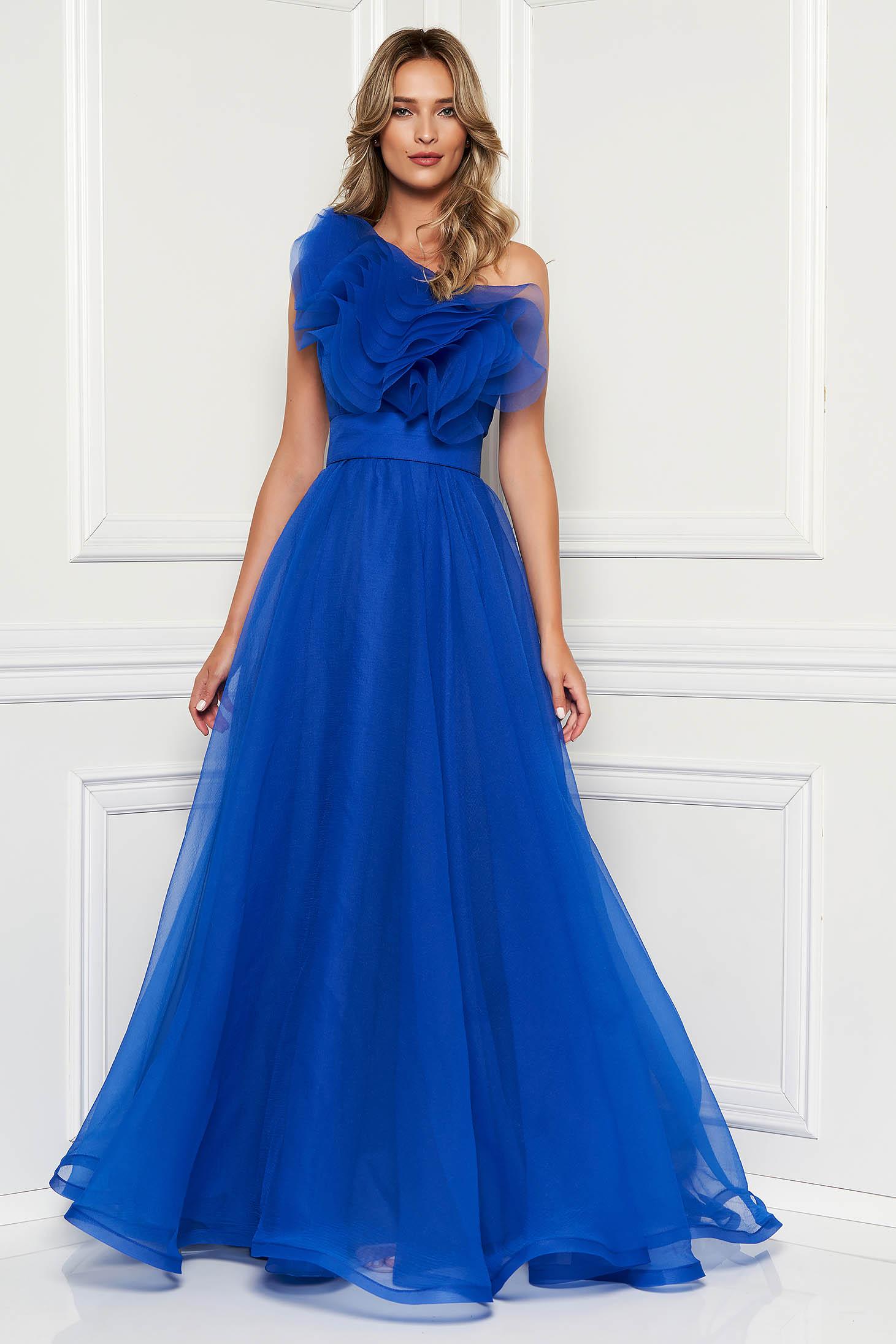 32b5c540b4 Kék Ana Radu egy vállas tüll ruha belső béléssel fodrokkal díszítve