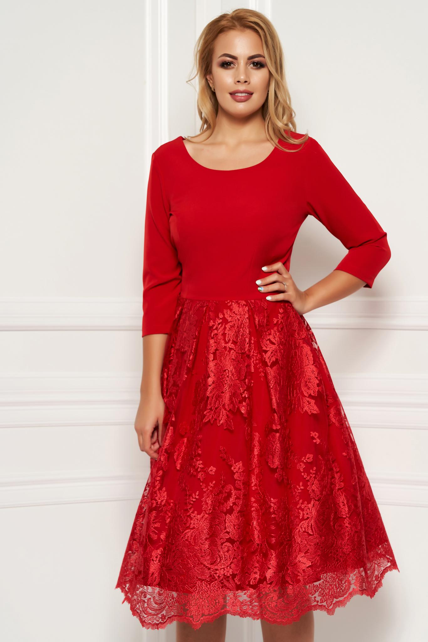 d796cae99d Piros elegáns midi harang ruha enyhén rugalmas anyag csipkés átfedés