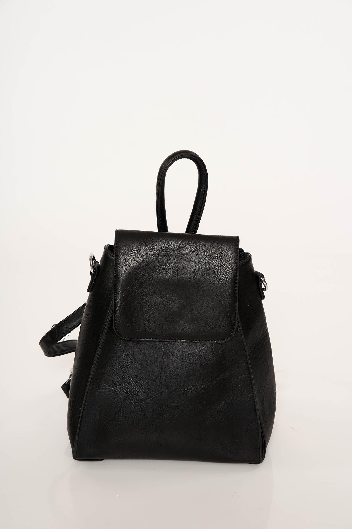 Fekete casual műbőr hátizsák állítható pántokkal