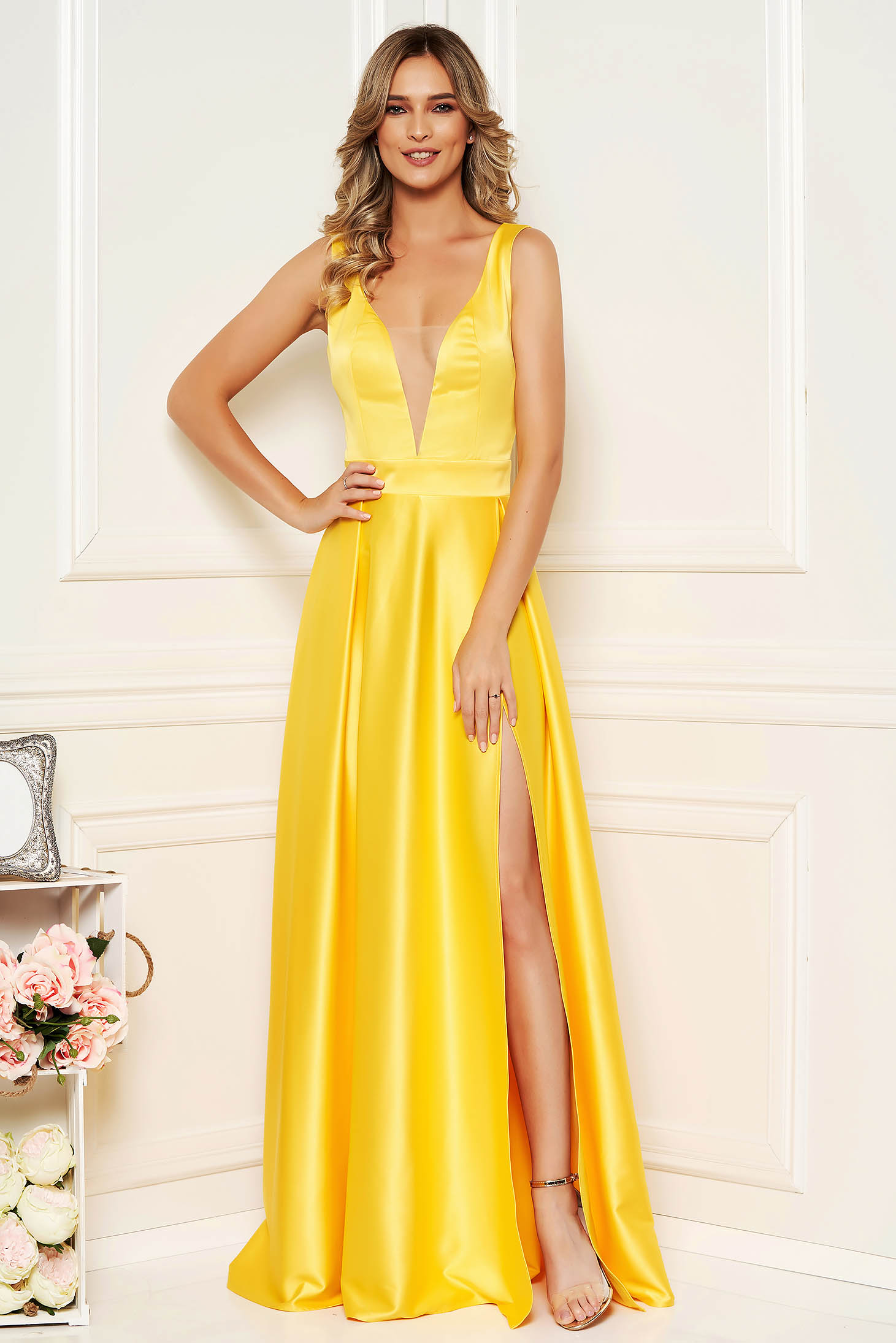 Yellow dress cloche cut material with v-neckline from satin occasional