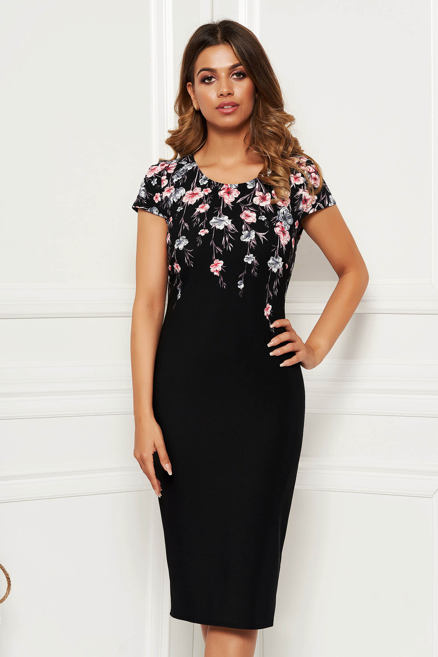 Rochie neagra eleganta de zi midi tip creion din material elastic si reiat cu imprimeu floral