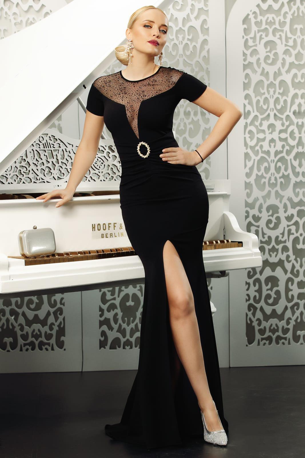 Fekete alkalmi sellő ruha ruha mély kivágással