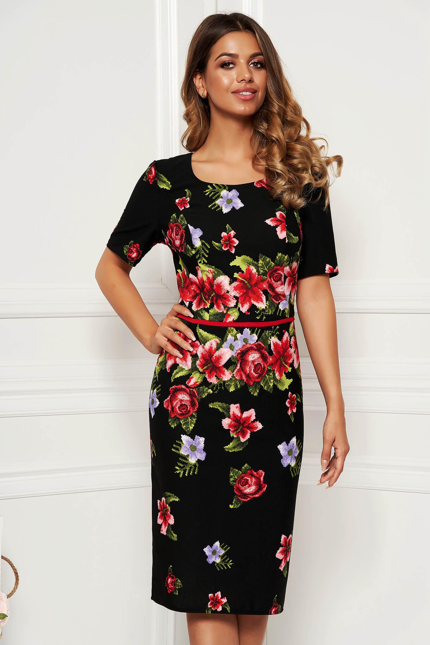 Rochie neagra eleganta de zi midi tip creion fara captuseala cu maneci scurte si imprimeu floral