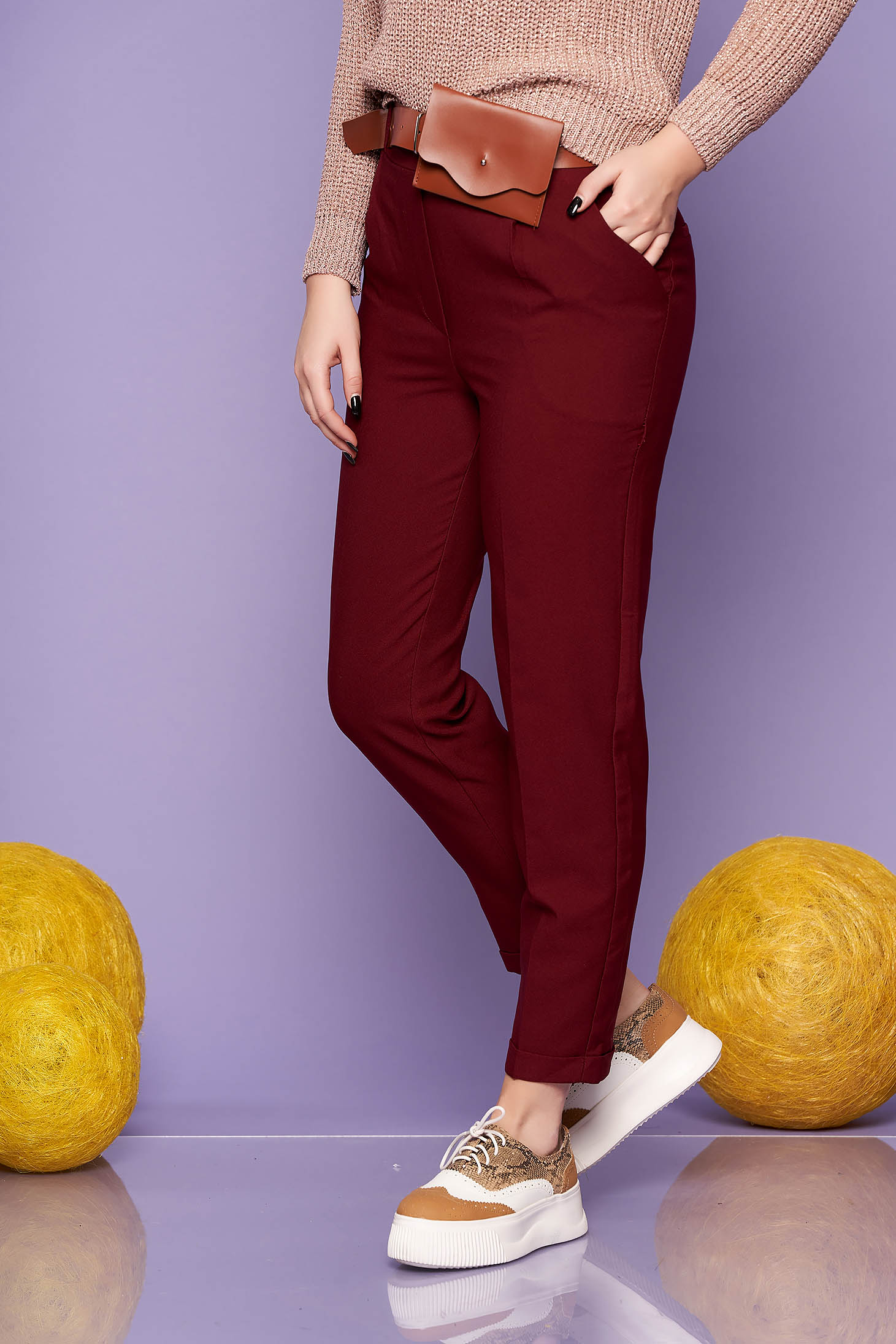 Burgundy trousers casual straight medium waist with pockets accessorized with belt