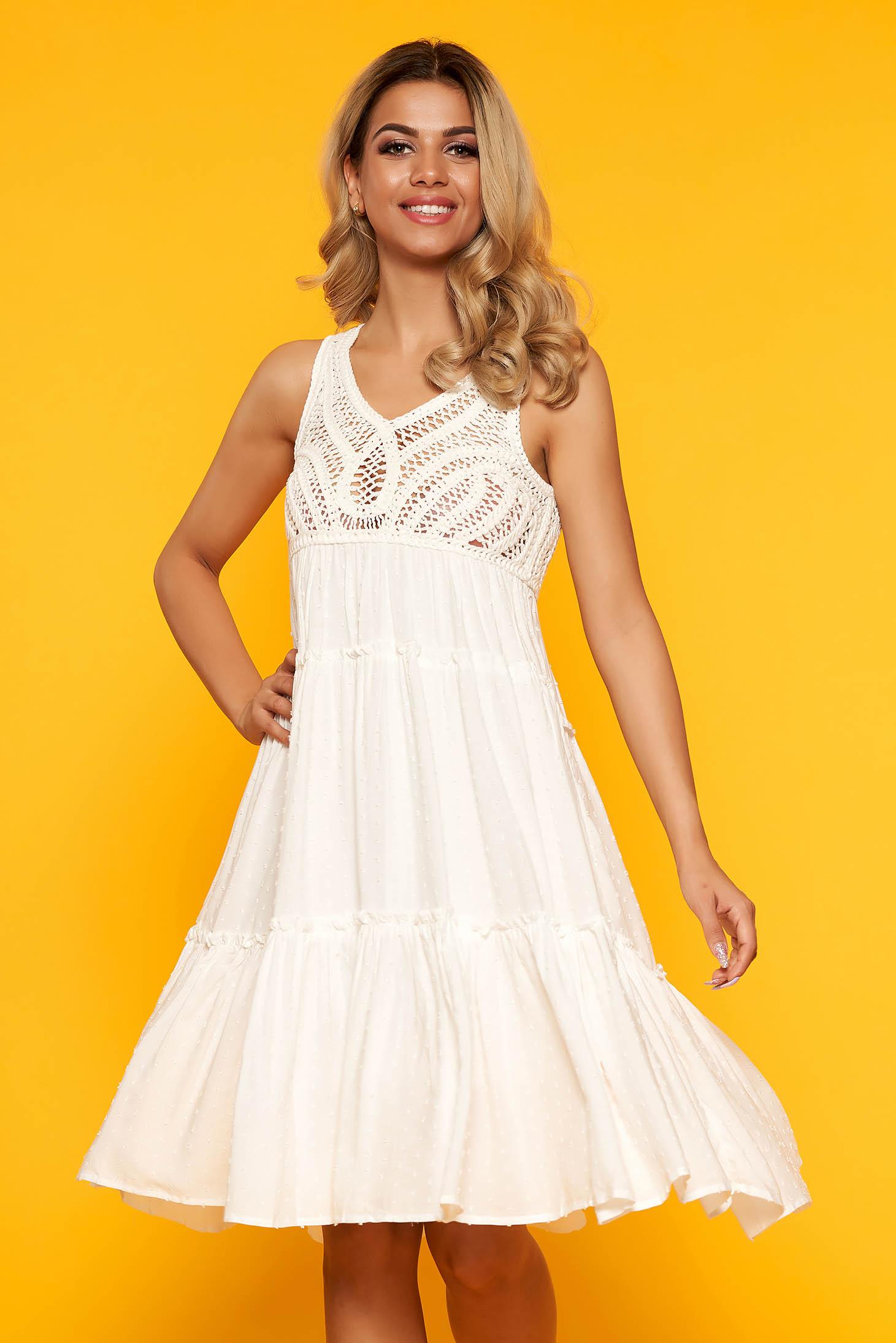 Fehér casual midi harang ruha hímzett betétekkel enyhén áttetsző anyagból