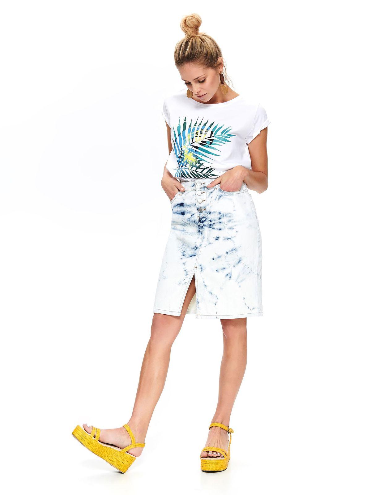 Fehér casual bő szabású póló pólónyakkal grafikai díszítéssel