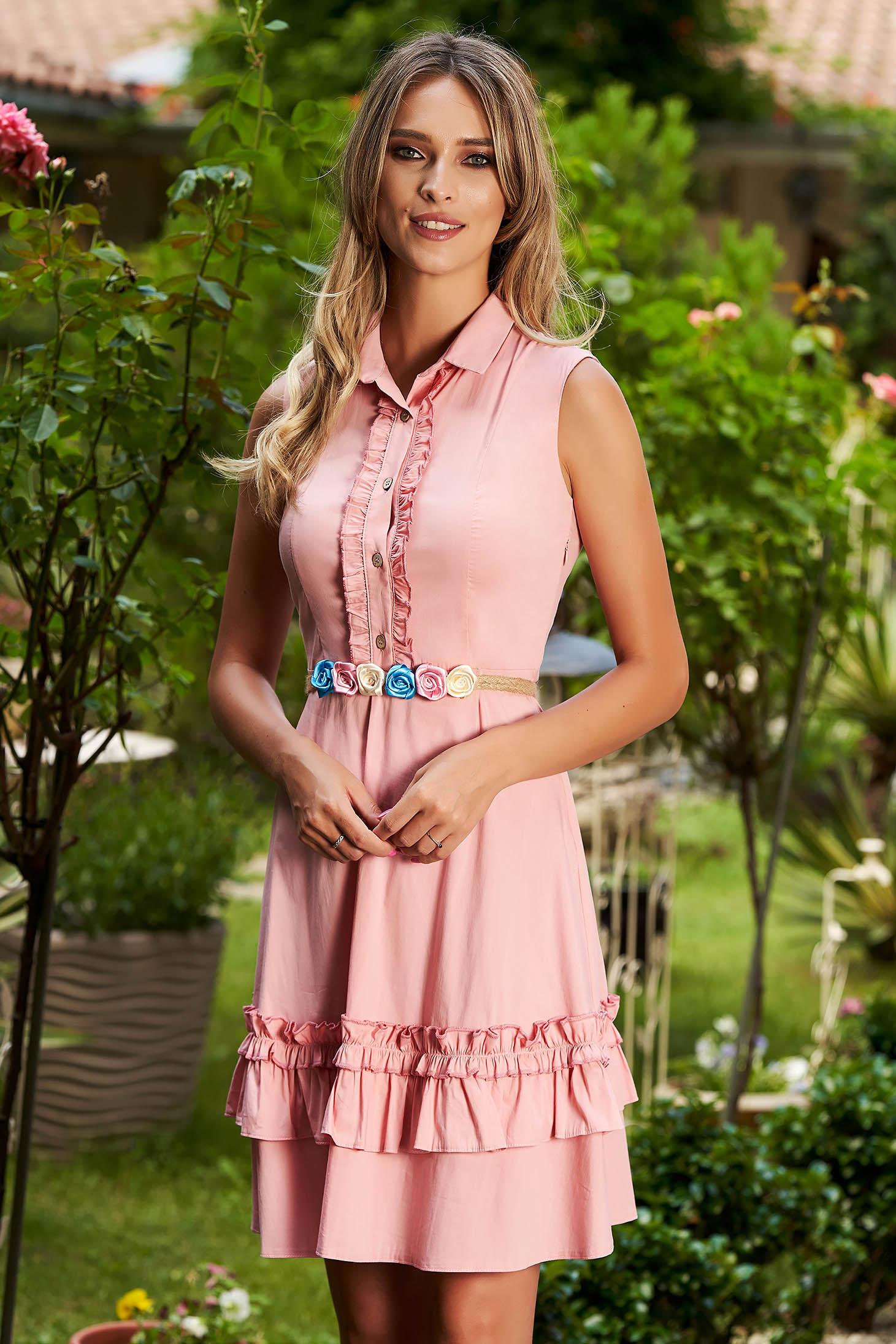 Rochie roz prafuit casual scurta in clos cu volanase fara maneci cu accesoriu inclus