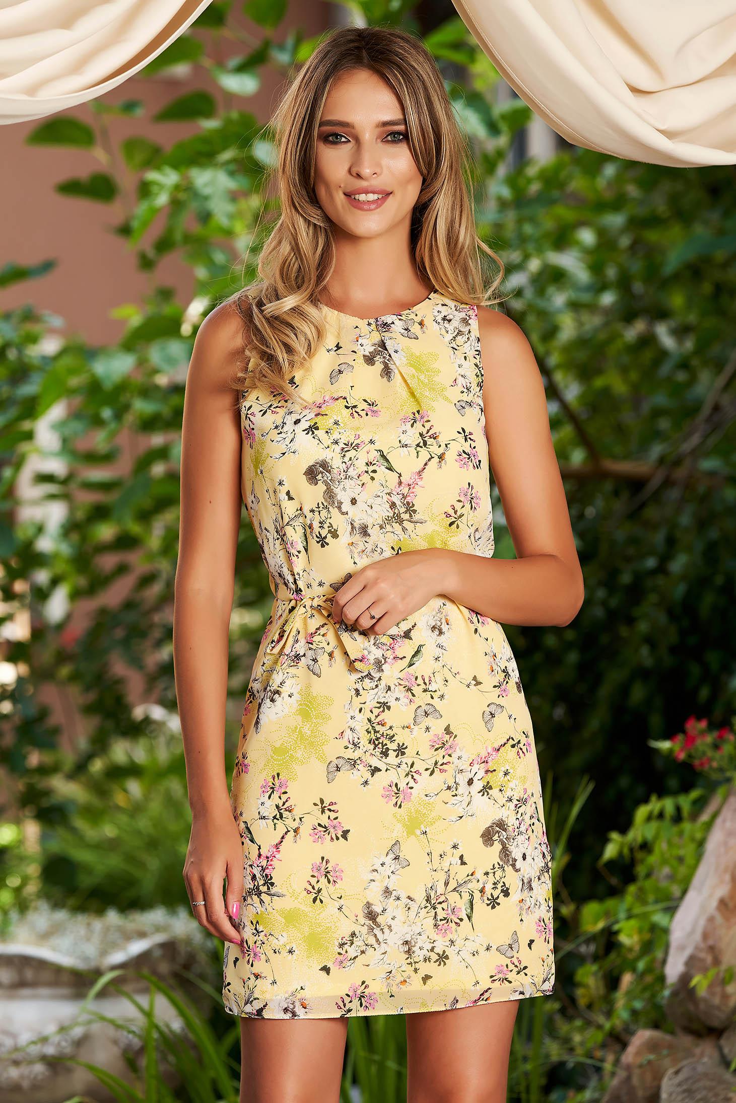 Rochie SunShine galbena de zi scurta cu un croi drept din voal cordon detasabil cu imprimeu floral