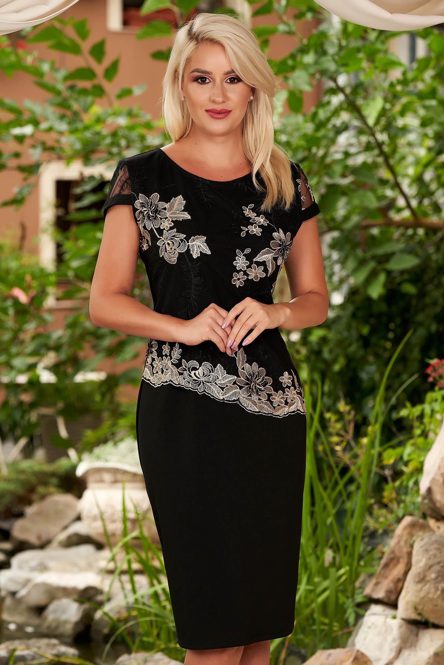 Fekete elegáns rövid ujjú midi egyenes ruha pólónyakal
