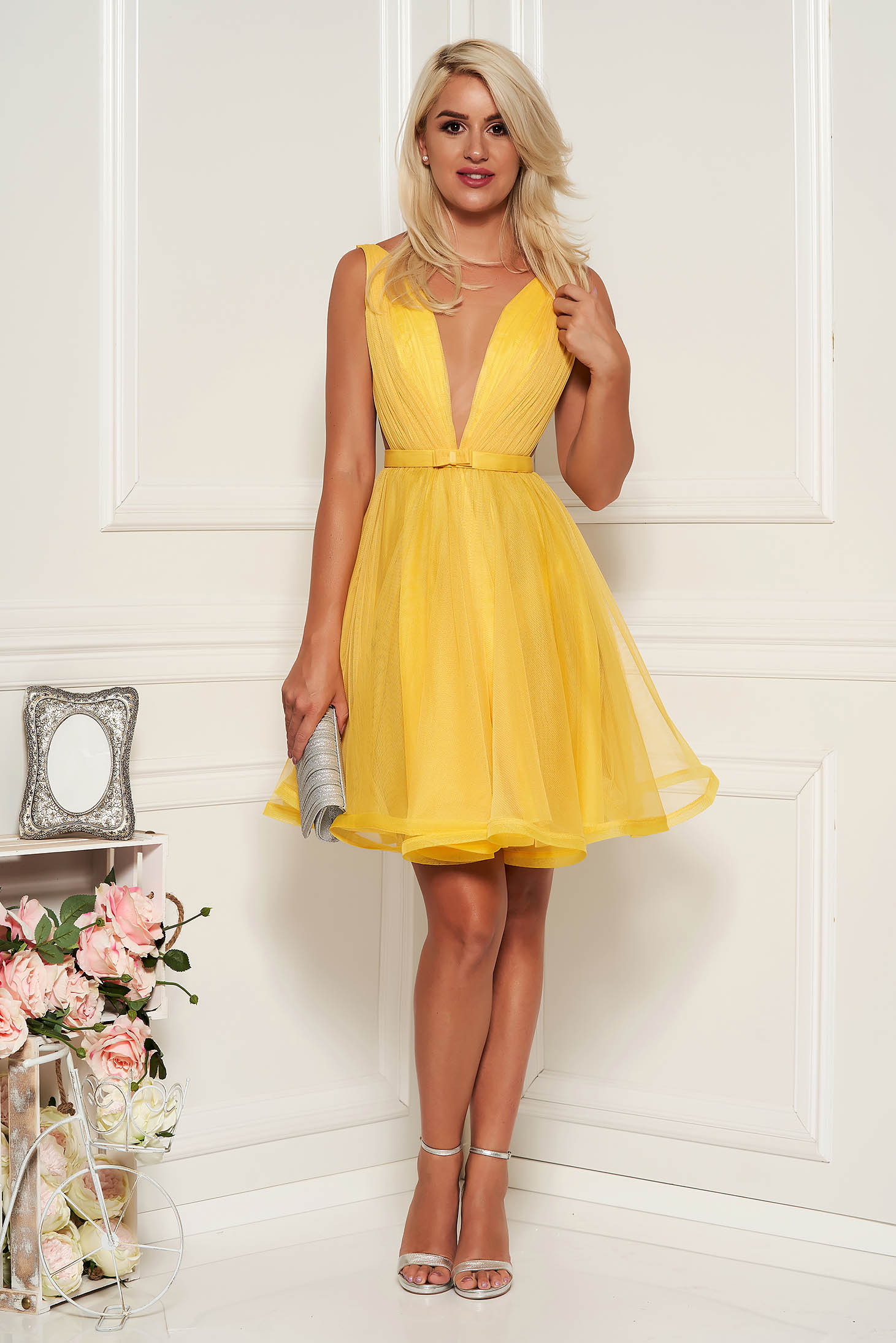 Ana Radu cloche yellow luxurious dress with a cleavage from tulle with inside lining accessorized with tied waistband