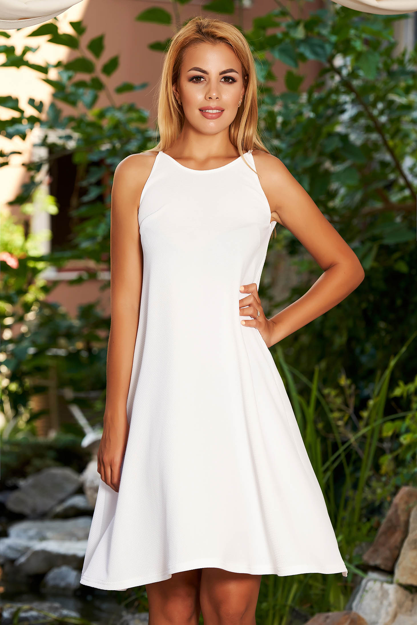 adcf1cbe845d5 StarShinerS cloche scuba white dress with halter neck rounded cleavage and  sleeveless