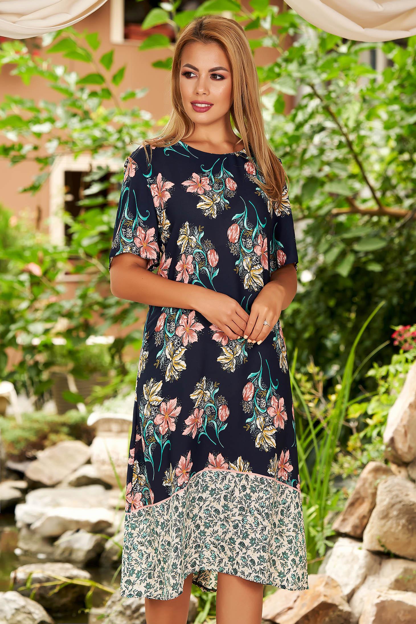 Rochie albastru-inchis de zi midi cu croi larg din voal cu maneci scurte si imprimeu floral