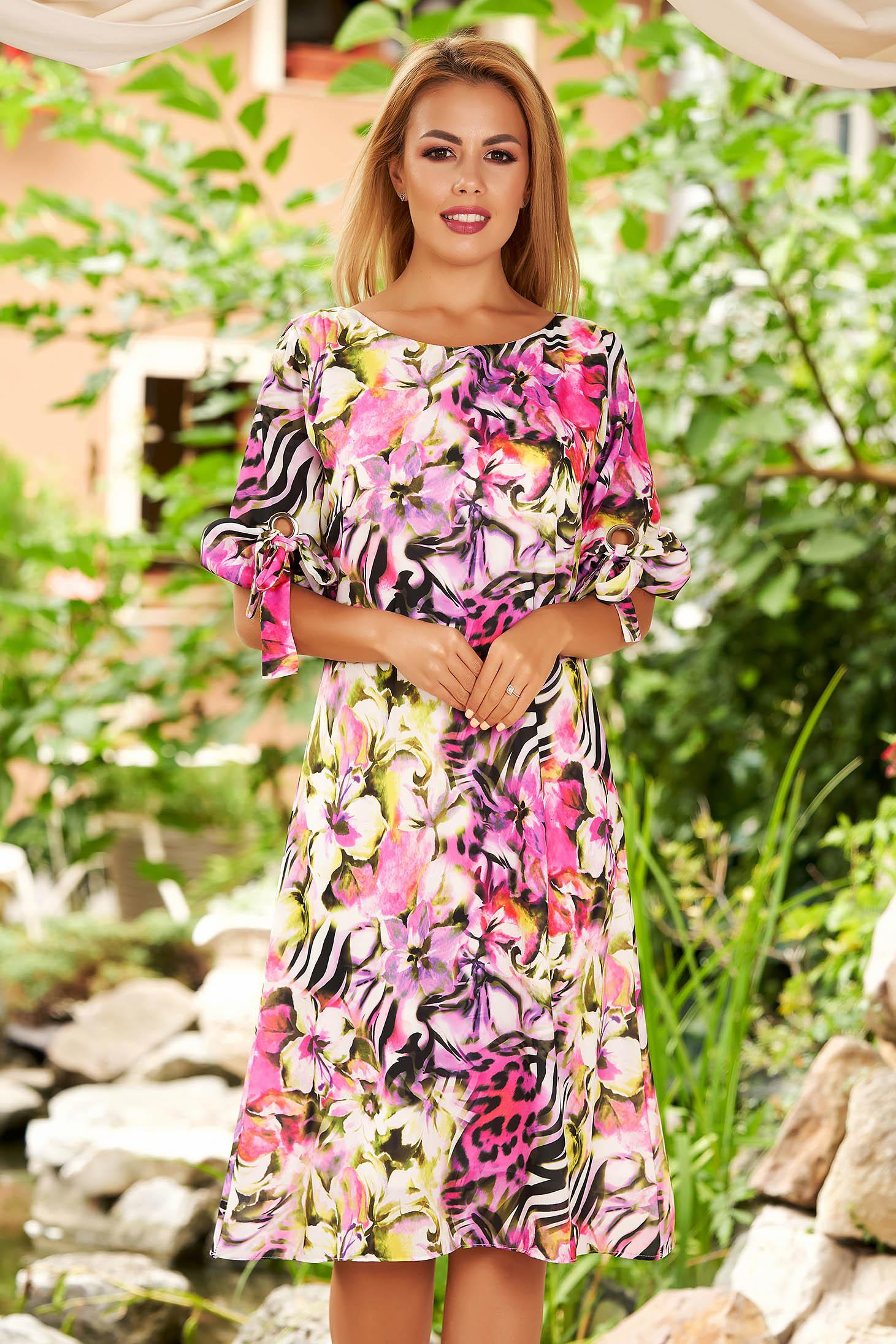 Rochie mov de zi midi din voal cu croi in a cu imprimeu floral si maneci prinse in elastic