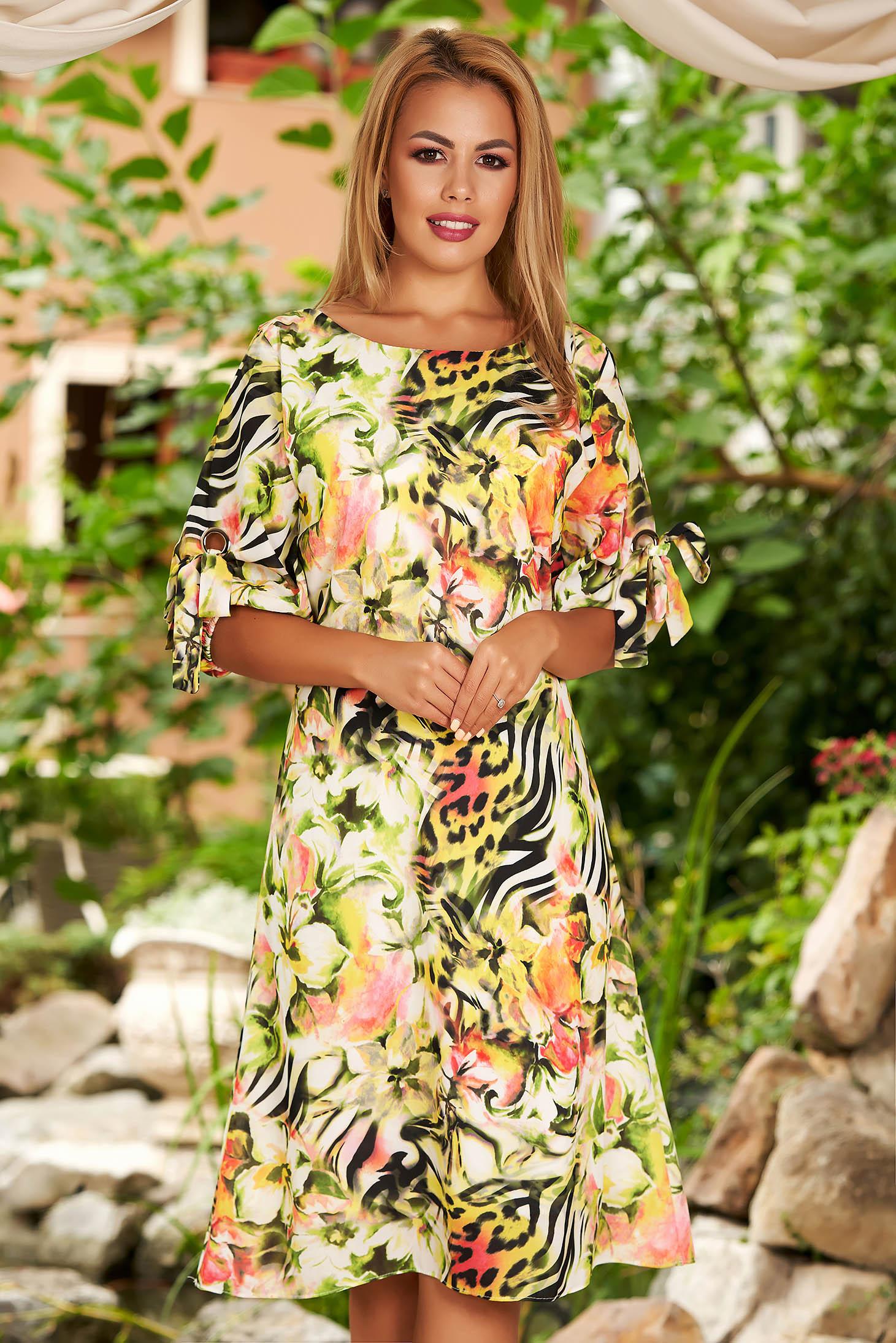 Rochie verde de zi midi din voal cu croi in a cu imprimeu floral si maneci prinse in elastic