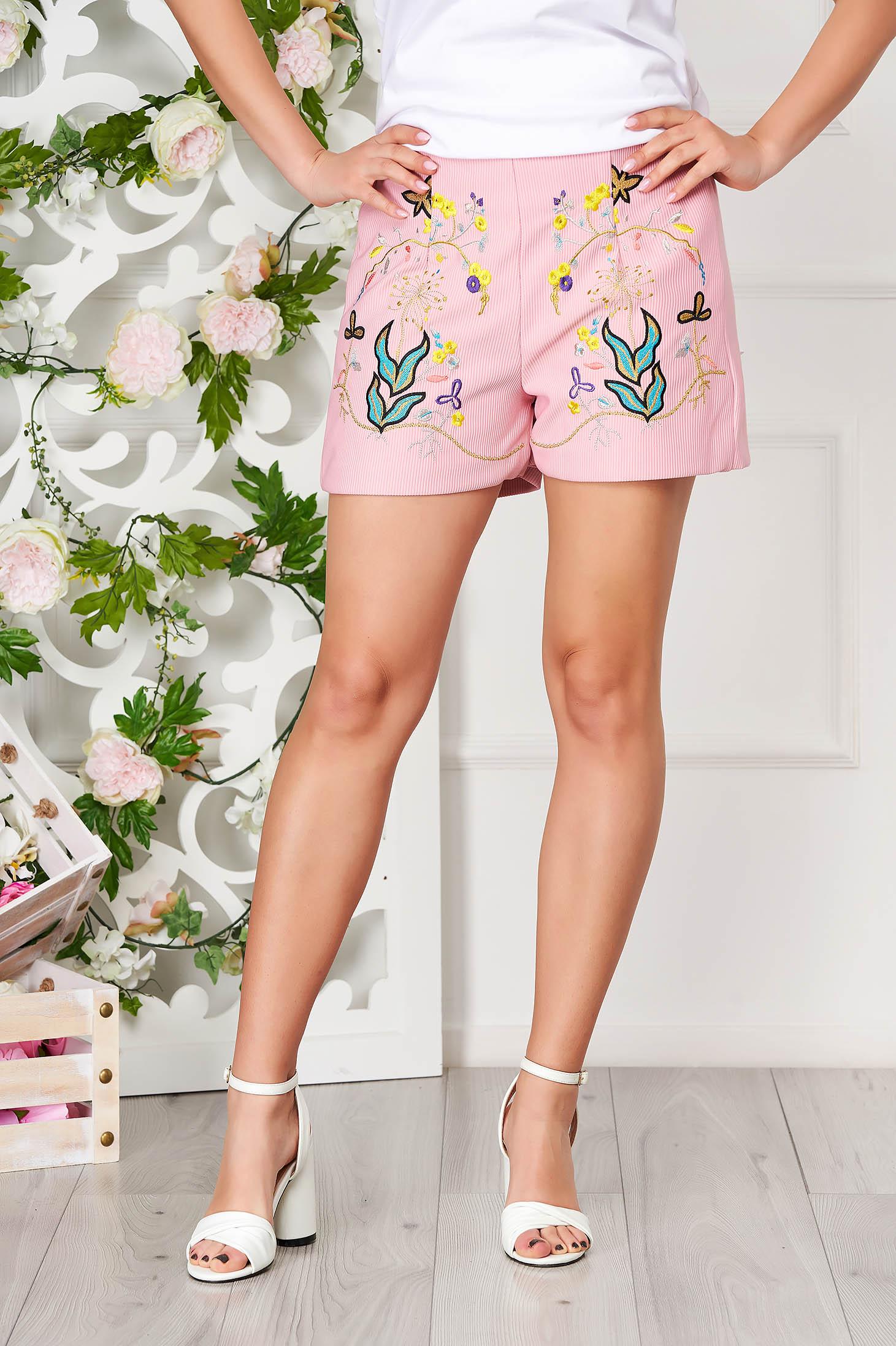 Lightpink short casual cotton medium waist from striped fabric with elastic waist