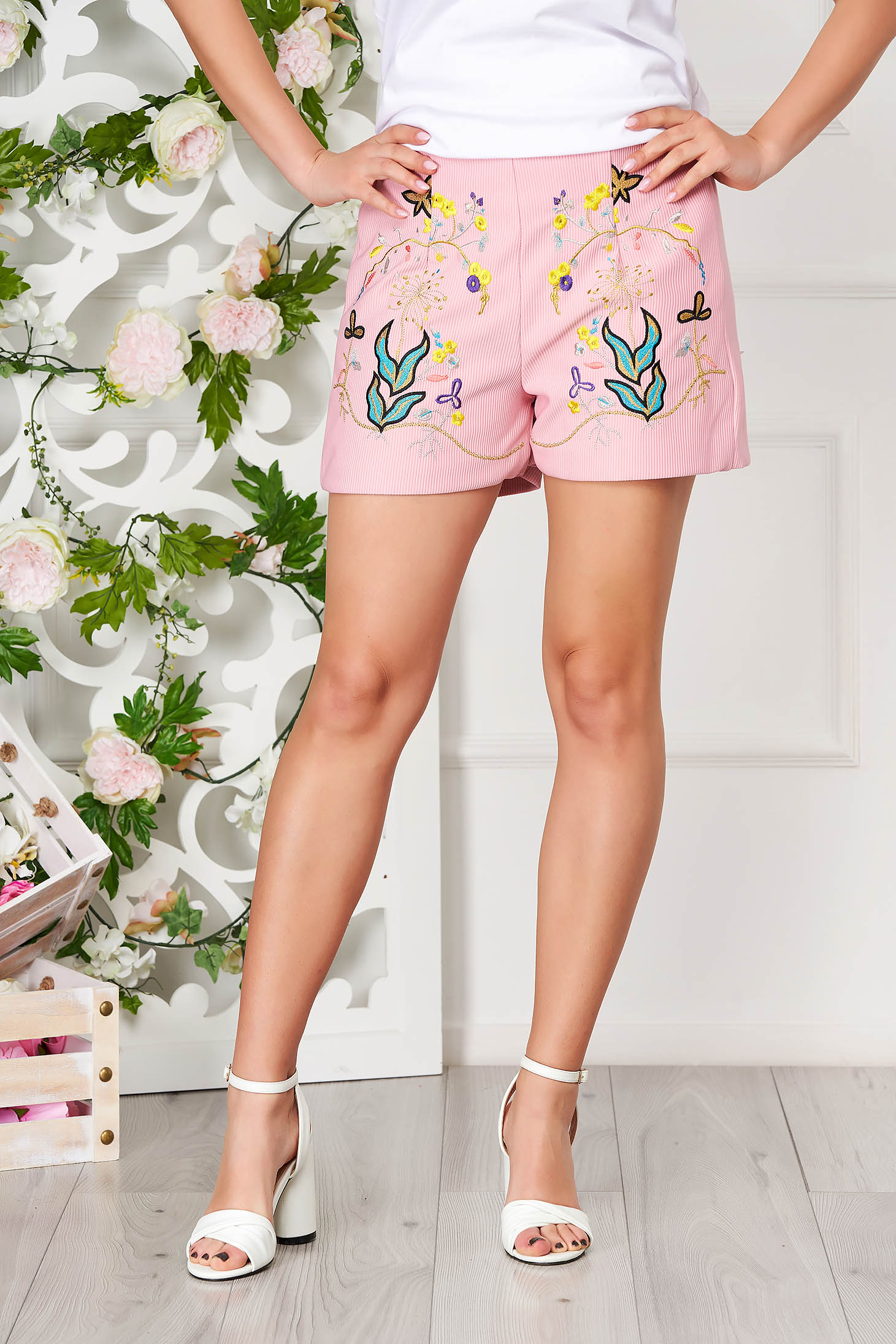Pantalon scurt SunShine roz prafuit casual din bumbac reiat cu talie medie si elastic