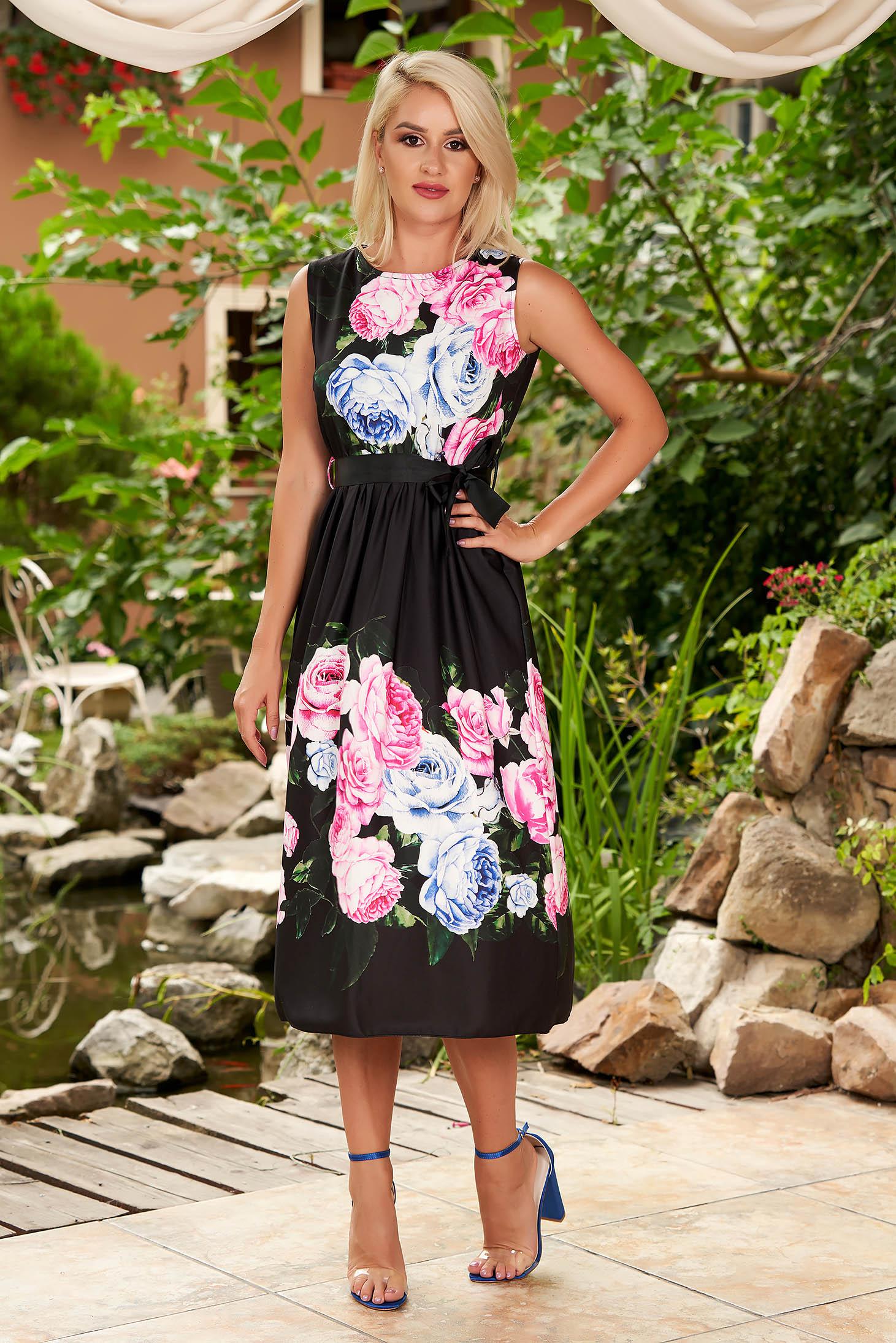 Rochie SunShine neagra de zi midi in clos fara maneci cu imprimeu floral si cordon detasabil