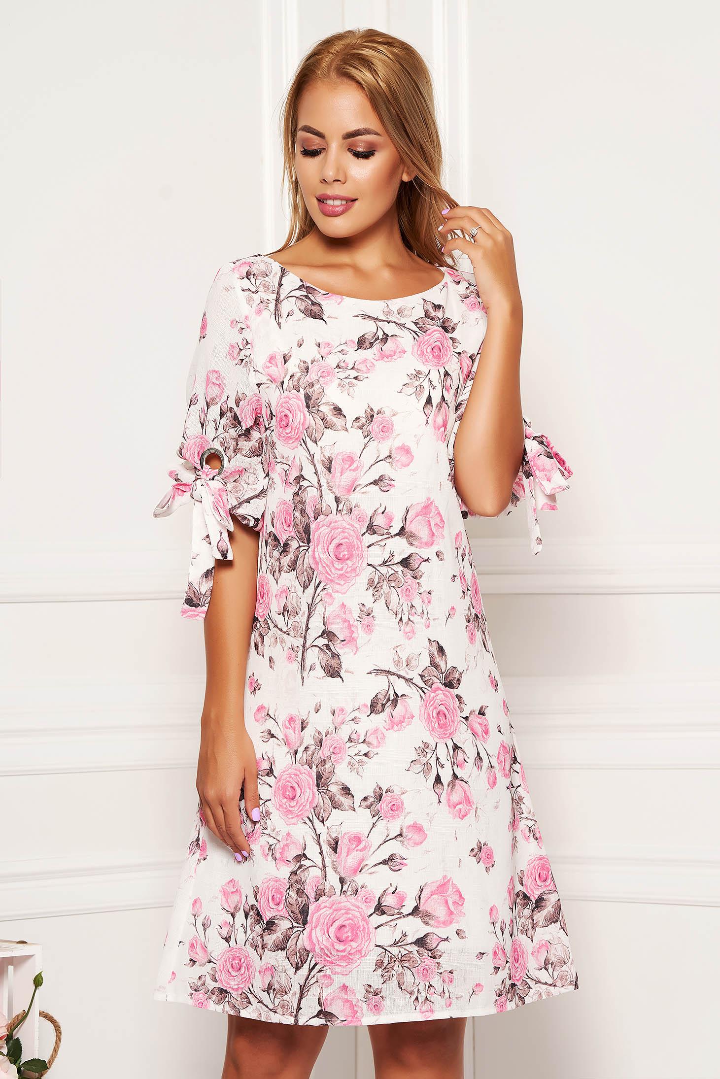Rochie roz deschis scurta de zi cu croi in a cu imprimeu floral cu decolteu rotunjit si maneci prinse in elastic