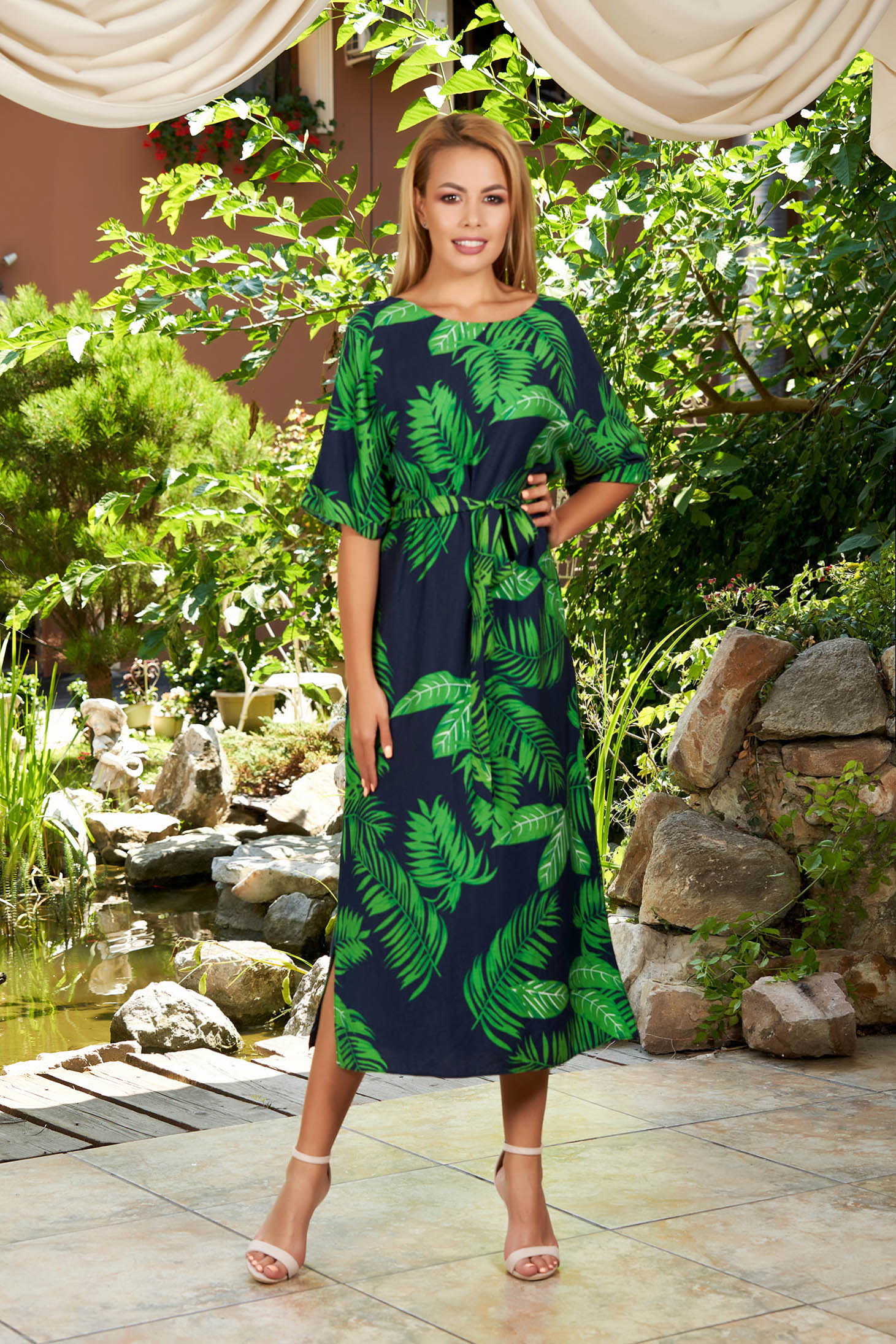 Darkblue dress daily midi with floral print detachable cord with rounded cleavage short sleeves