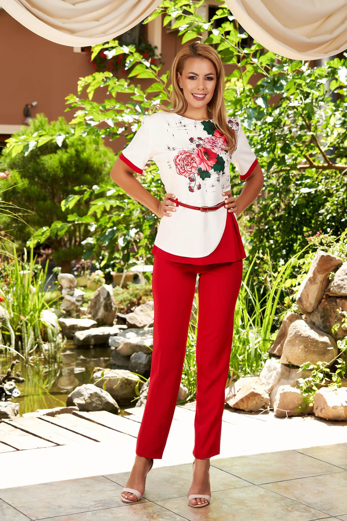 Compleu rosu elegant din 2 piese cu pantaloni cu accesoriu tip curea si imprimeu floral