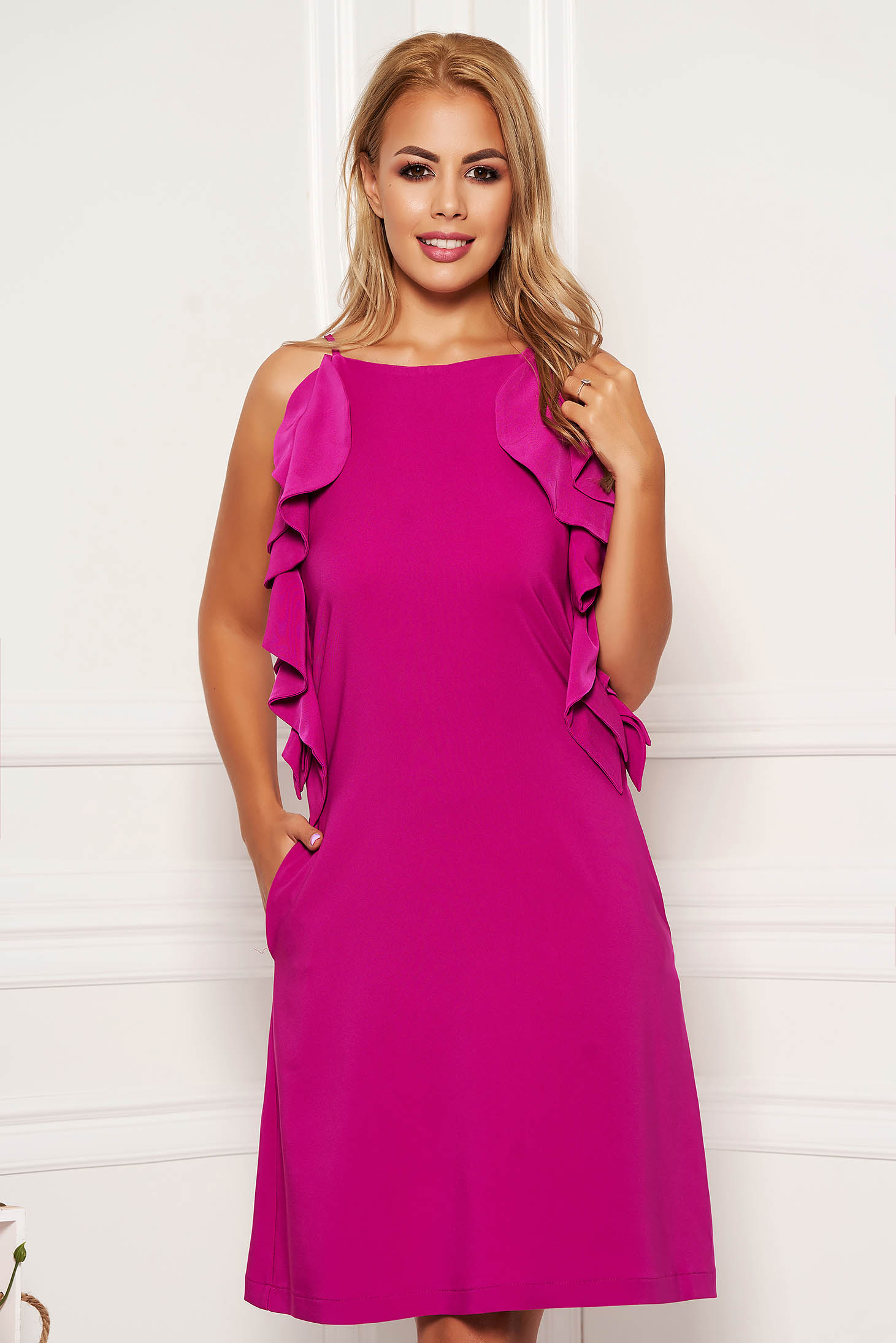 Fuchsia dress daily short cut a-line with pockets with ruffle details with rounded cleavage