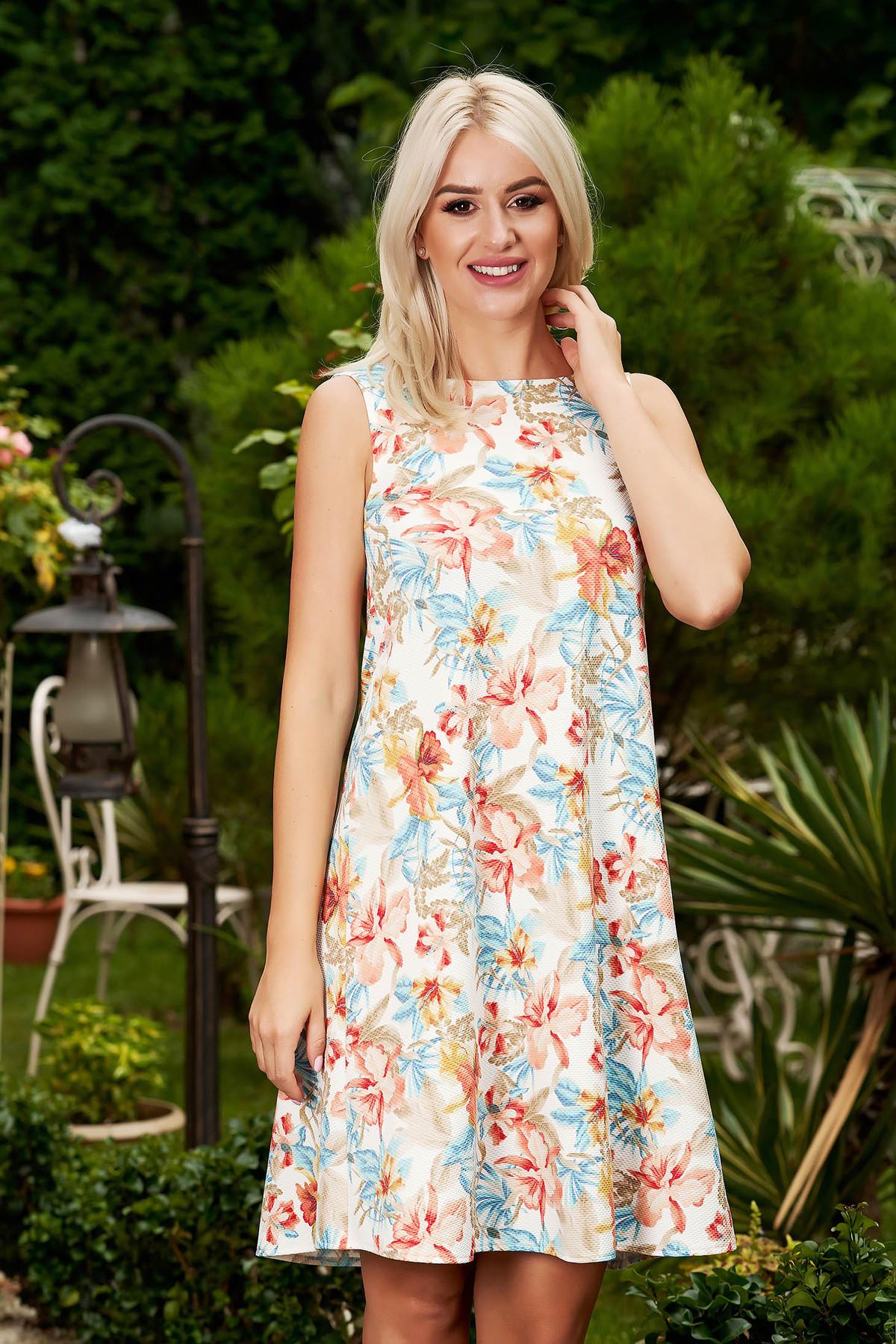 Rochie StarShinerS alba scurta de zi cu croi in a fara maneci cu decolteu la baza gatului si imprimeu floral
