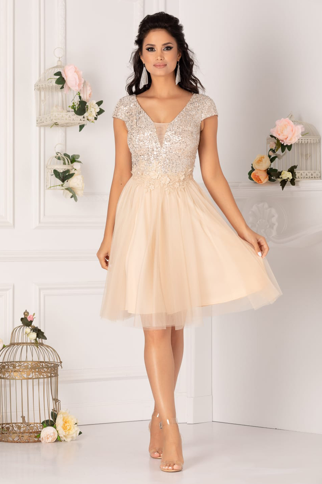 Cream dress occasional short cut from tulle with push-up cups with v-neckline short sleeves